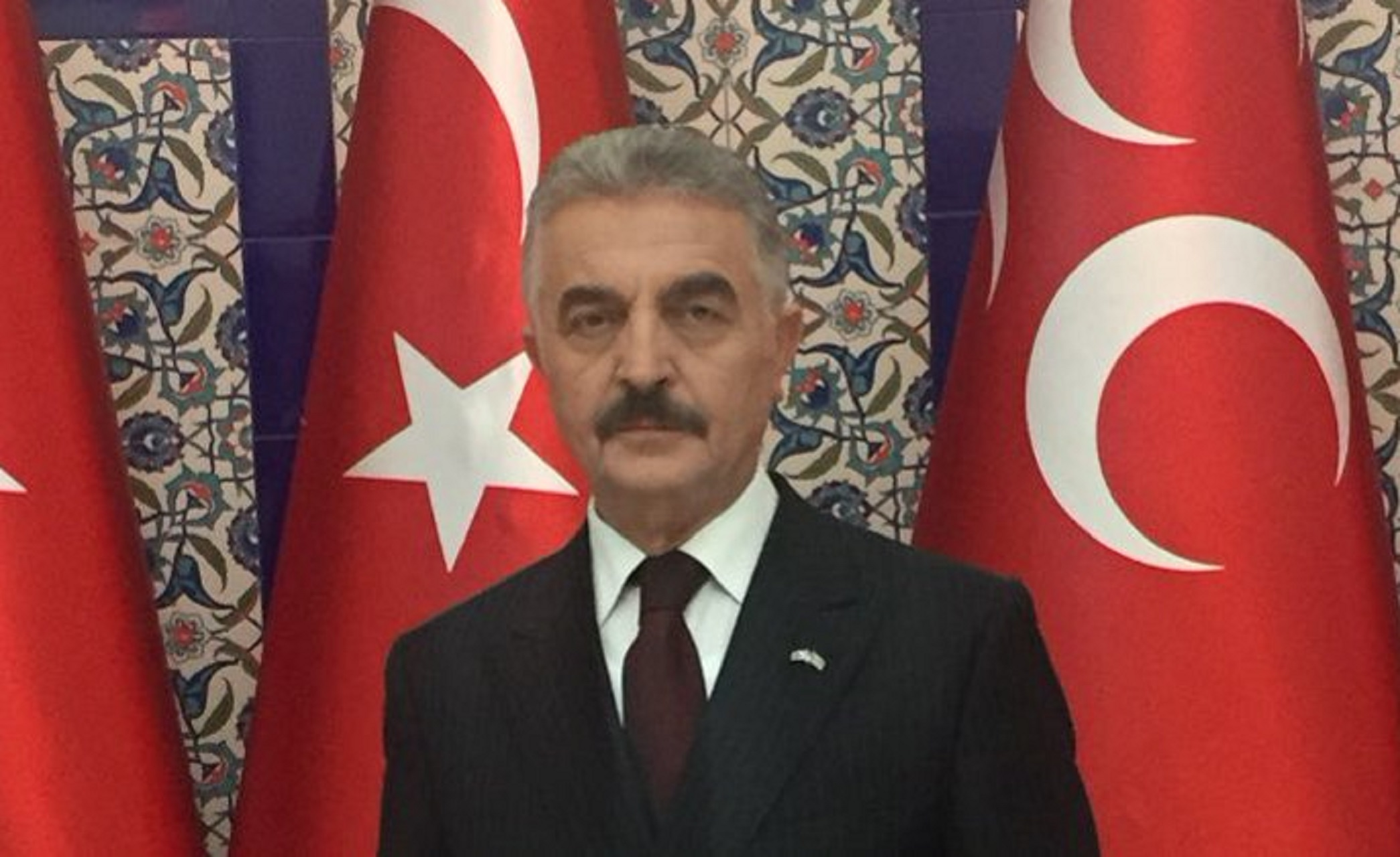 """Τούρκος εθνικιστής πολιτικός απειλεί με νέα μικρασιατική καταστροφή – """"Θα χρειαστεί να κολυμπήσετε μέχρι τη Σικελία"""""""