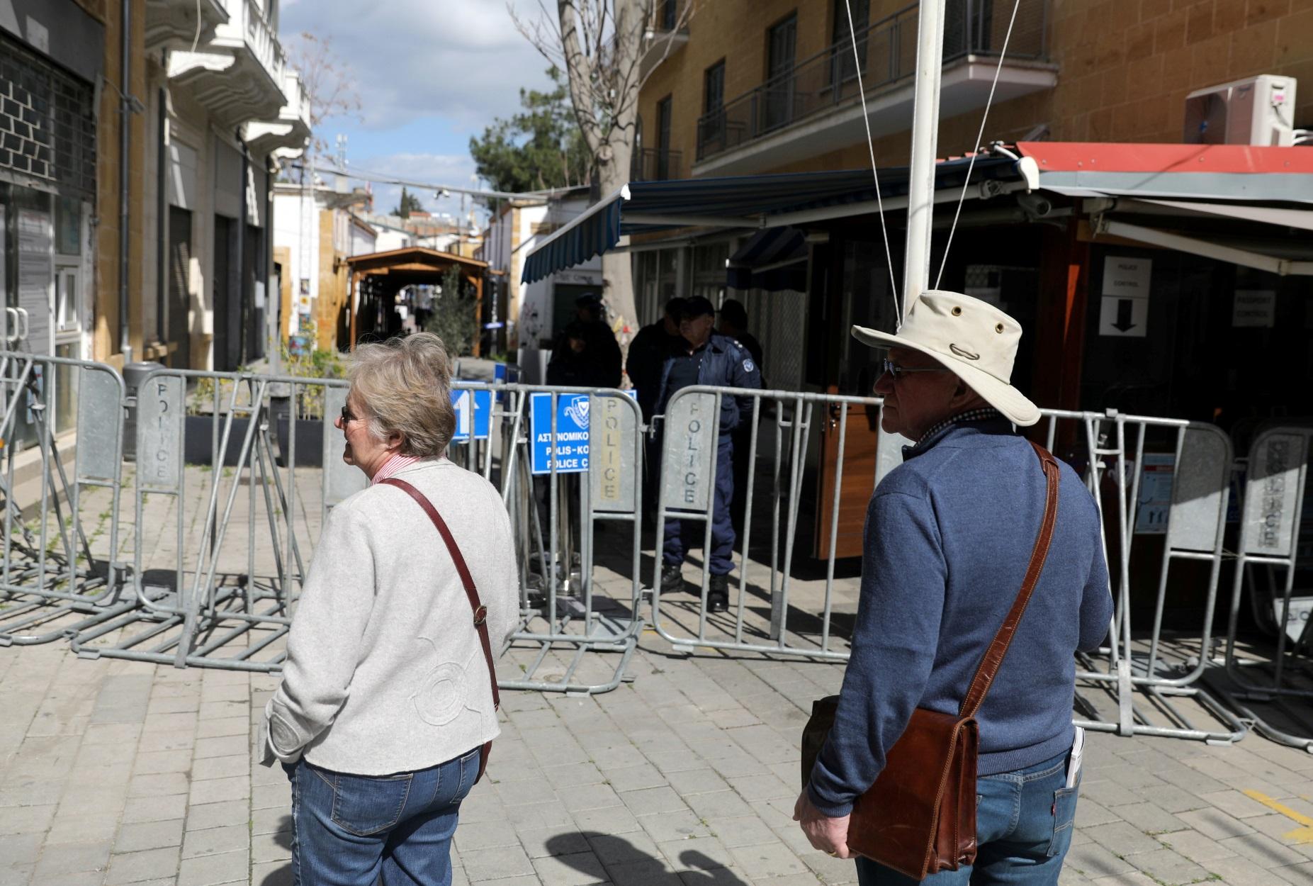 Κορονοϊός: Δύο νεκροί και 363 νέα κρούσματα στην Κύπρο το τελευταίο 24ωρο