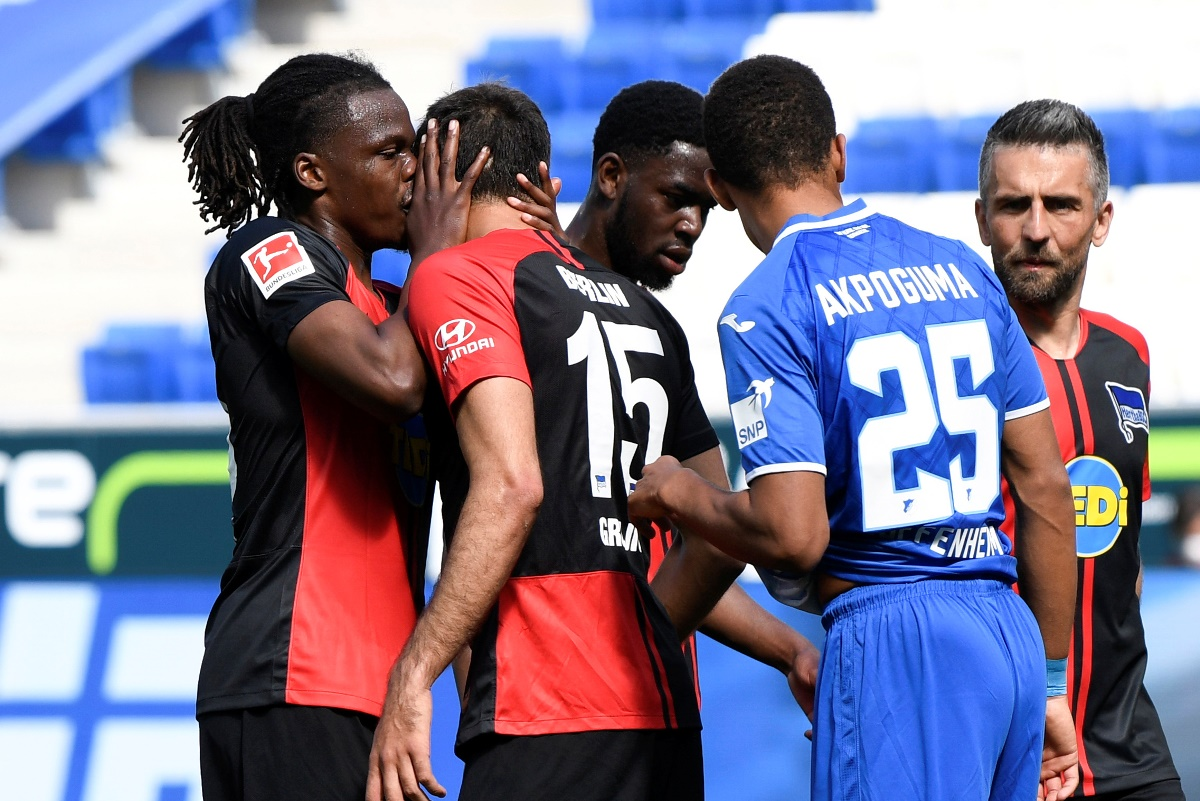 Bundesliga: Πήγε… περίπατο το πρωτόκολλο για τον κορονοϊό στο Χόφενχαϊμ – Χέρτα (video)