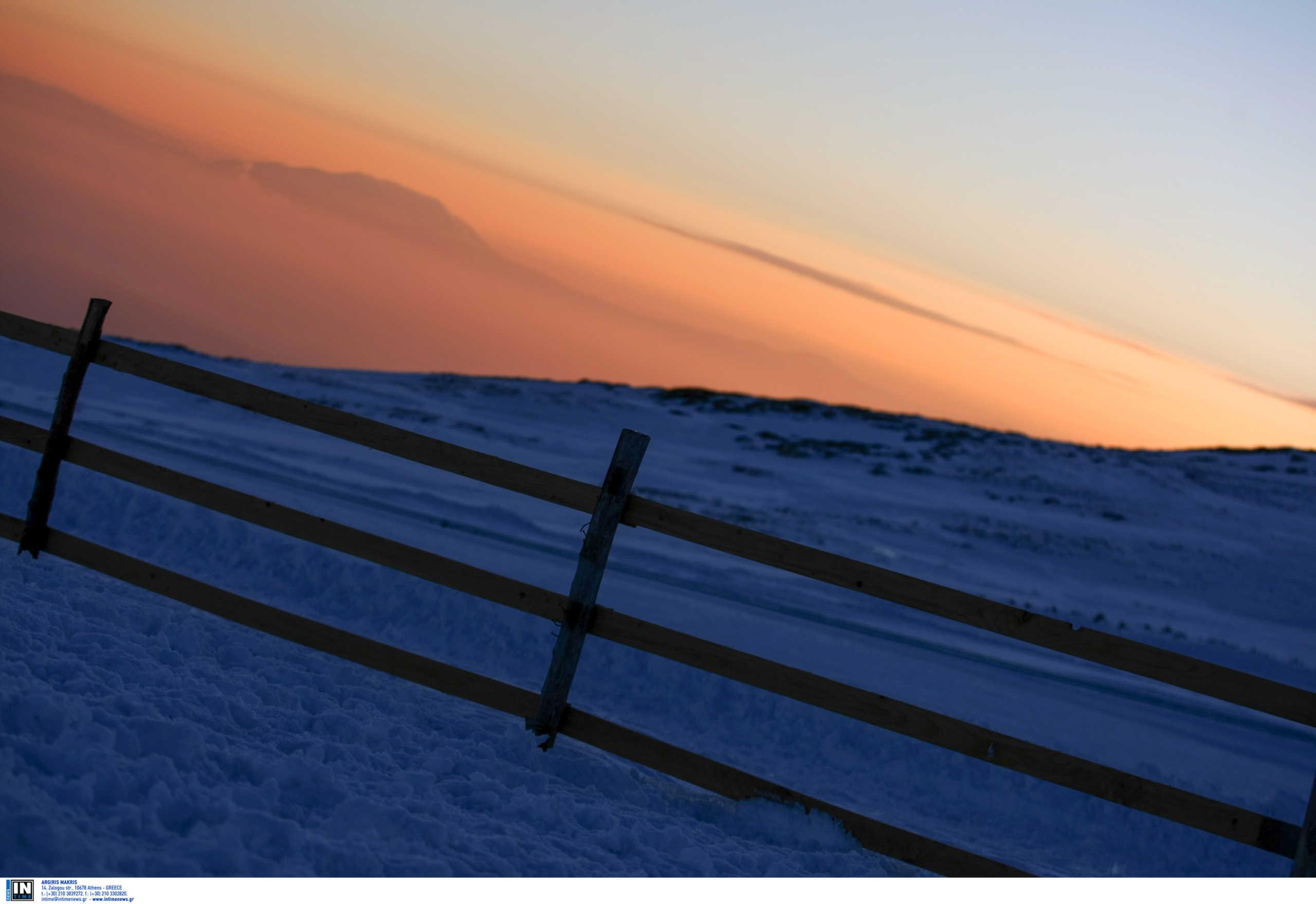 Στα λευκά πολλές περιοχές της χώρας από χαλάζι! Έρχονται χιόνια στο Καϊμάκτσαλαν