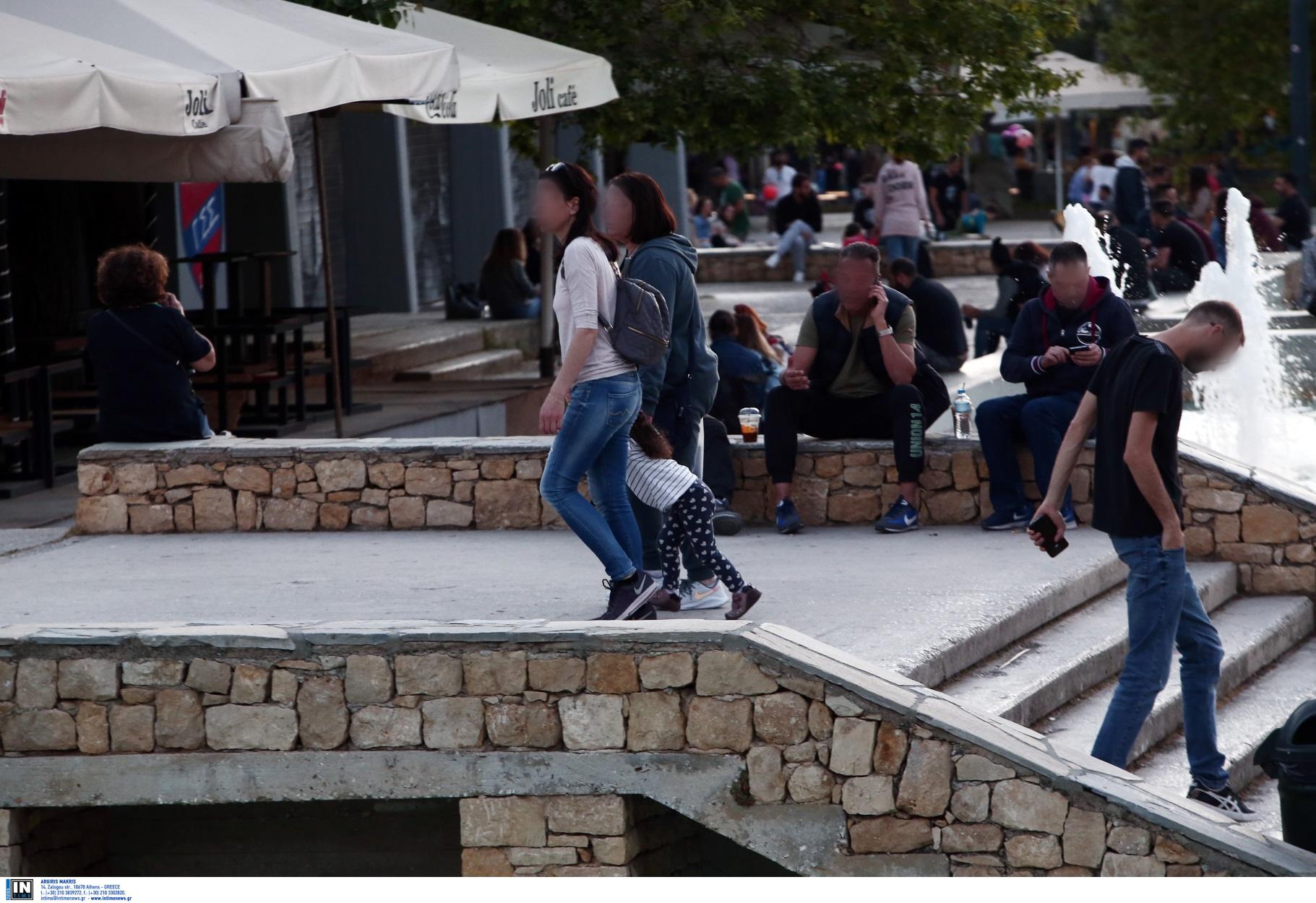Δεκάδες παραβάσεις για αποστάσεις, μάσκες και μετακινήσεις – Συλλήψεις για άνοιγμα μαγαζιών