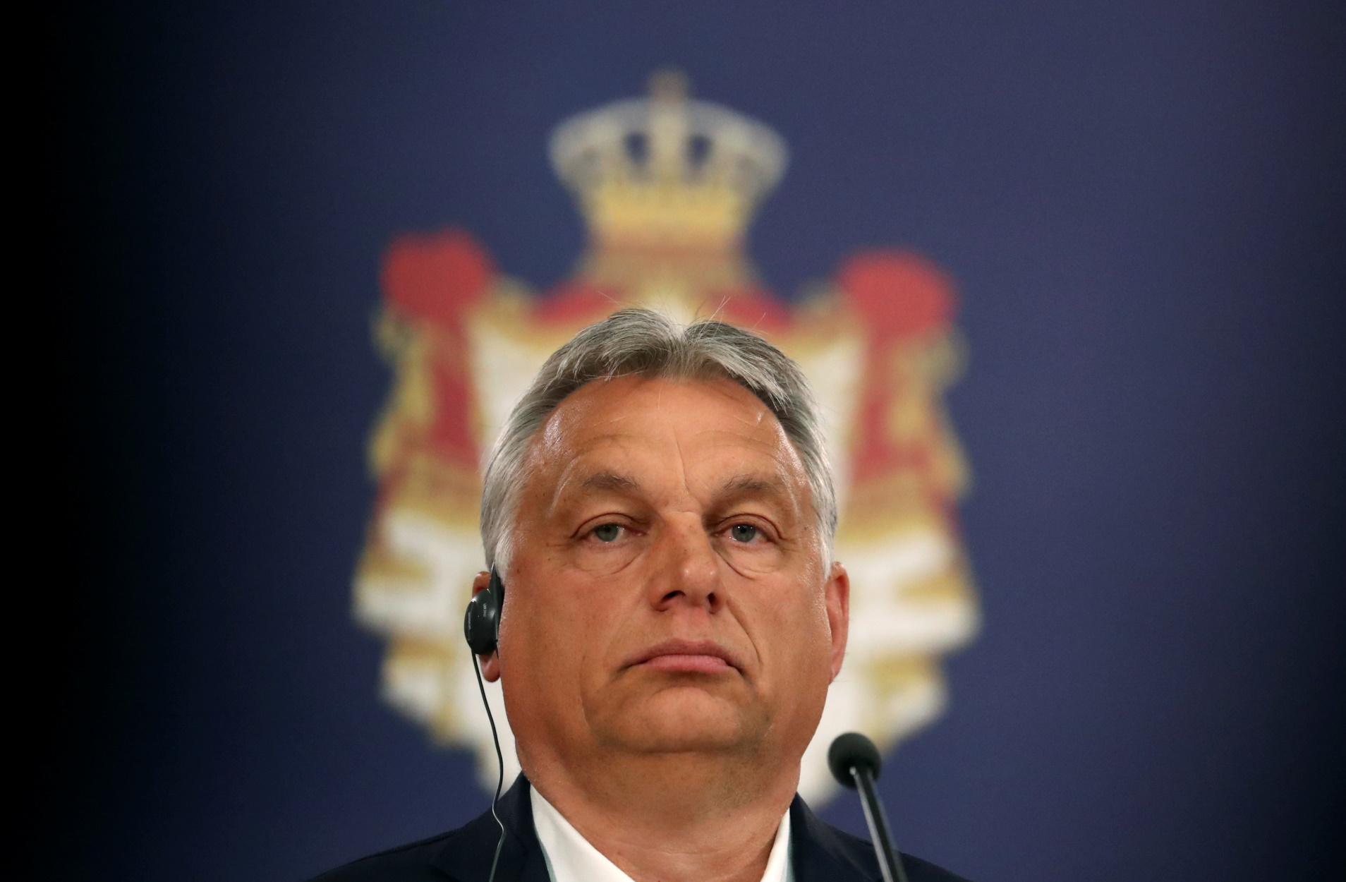 Όρμπαν: Δεν ιδρώνει το αυτί του για μετανάστες που εγκλωβίστηκαν στα σύνορα με τη Σερβία