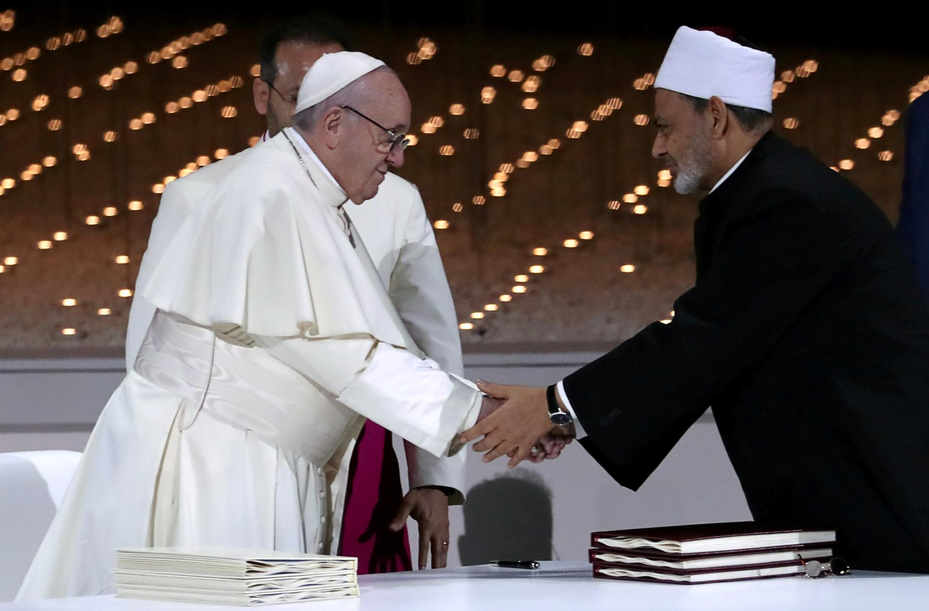 Πάπας και μεγάλος Ιμάμης του Καΐρου: Χριστιανοί και μουσουλμάνοι προσευχηθείτε μαζί για την πανδημία