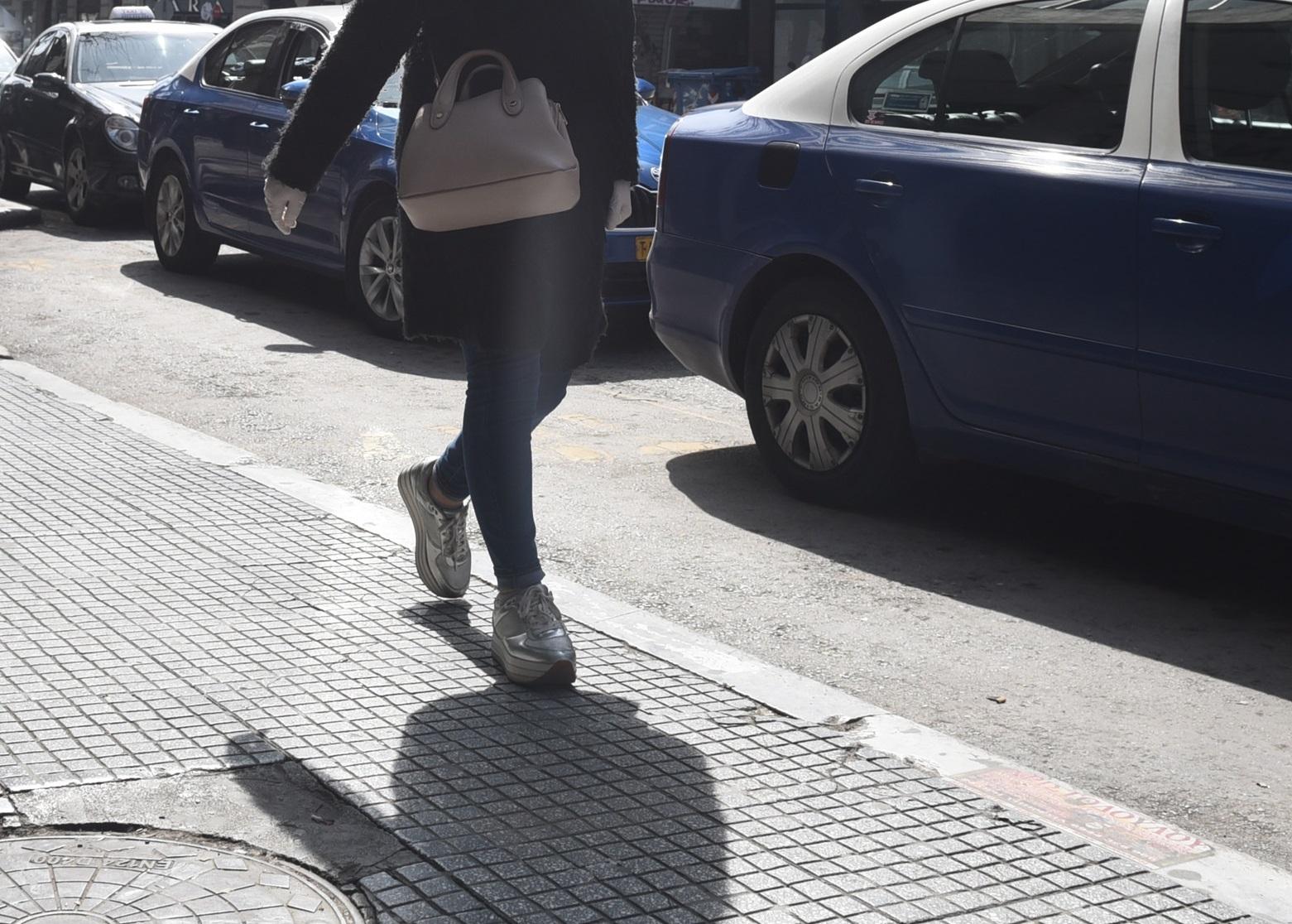Παρουσιάστρια σε υστερία μέσα σε μαγαζί της Θεσσαλονίκης! Δεν ήθελε να βάλει αντισηπτικό