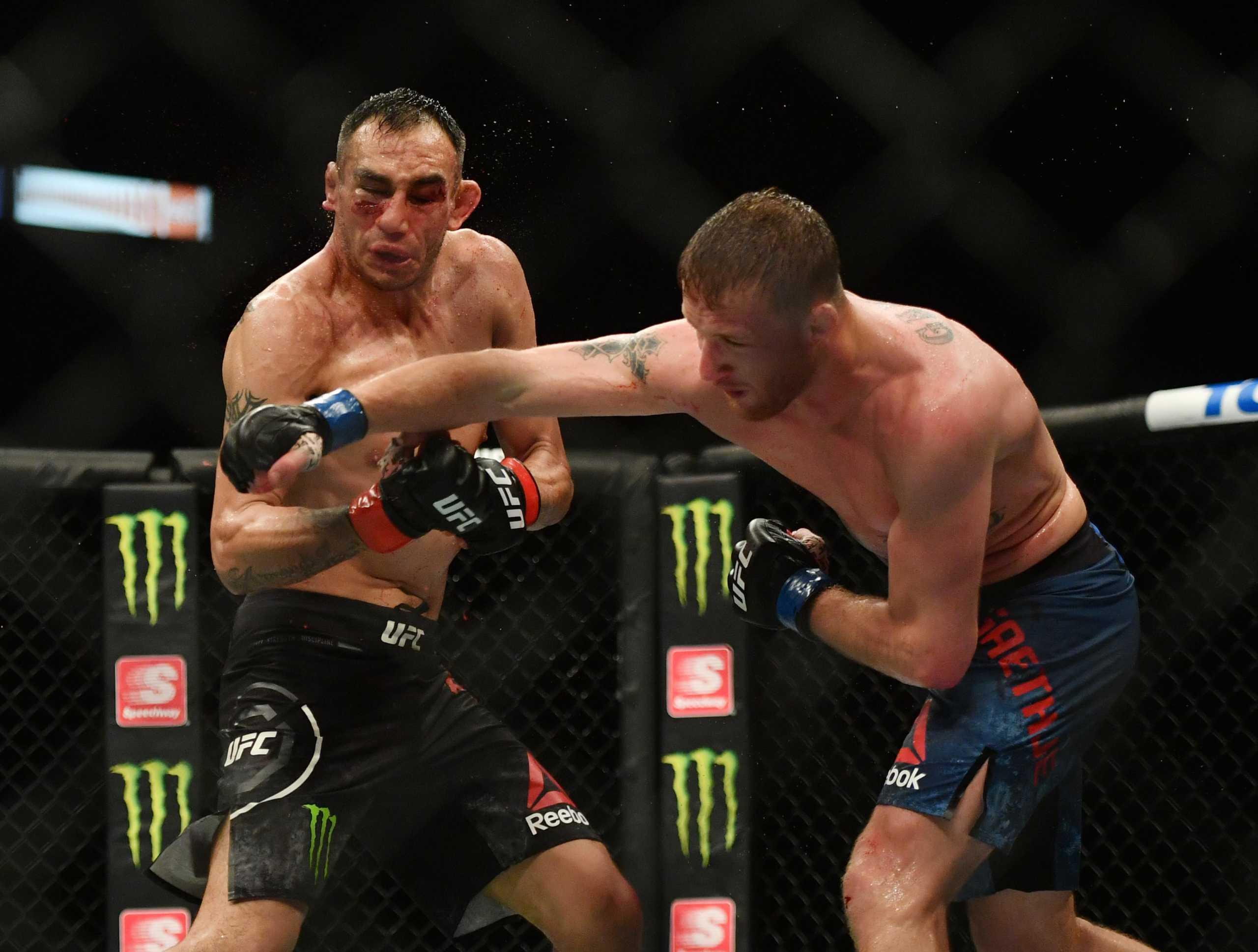 "UFC: Τον έκανε αγνώριστο! Τις… μάζεψε ο Ferguson  και ""έχασε"" τη ζώνη (pic, video)"