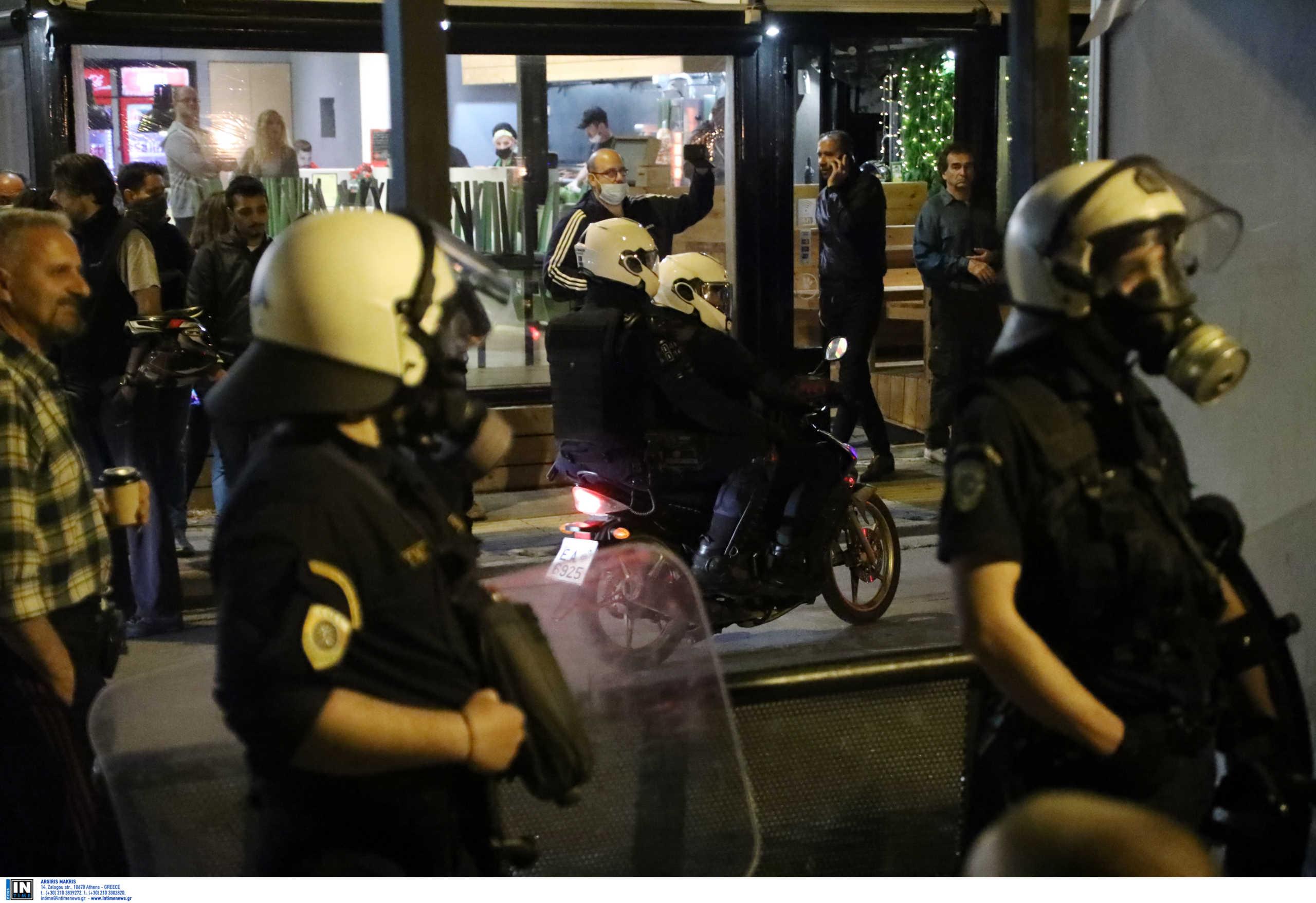 Με πειθώ, προειδοποίηση και όχι καταστολή το «δόγμα» της ΕΛ.ΑΣ. για τα πάρτι στις πλατείες