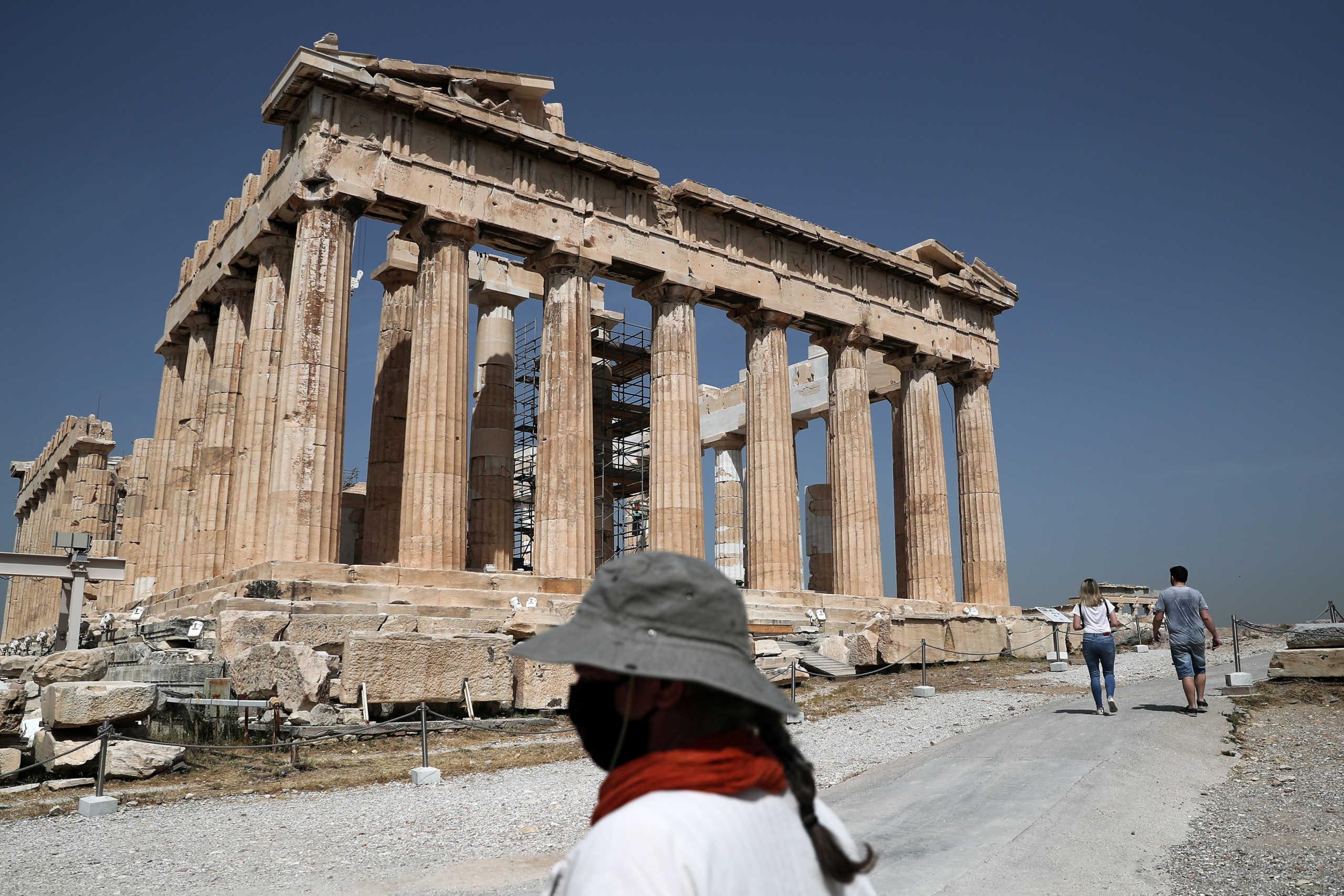 Μενδώνη κατά ΣΥΡΙΖΑ για ανελκυστήρα στην Ακρόπολη: Σταματήστε την πολιτική εκμετάλλευση του Ιερού Βράχου