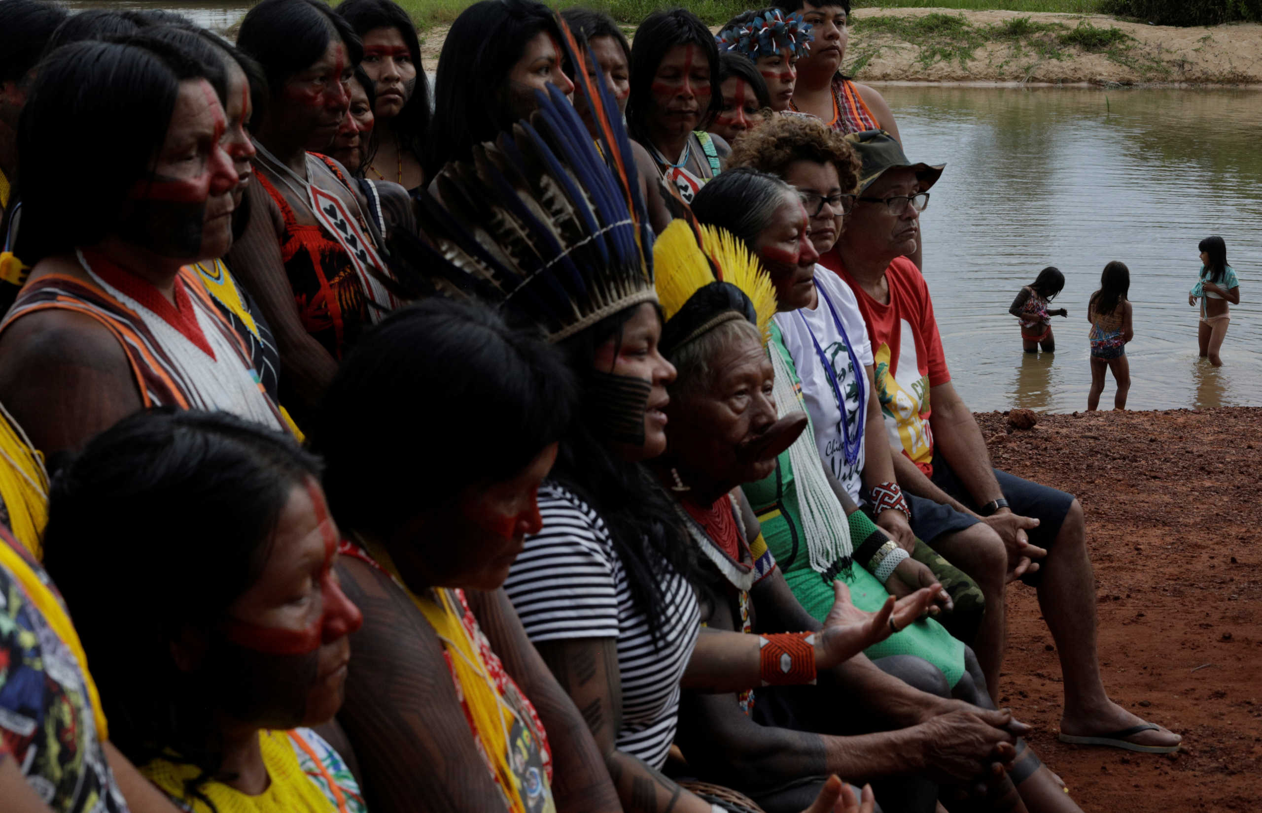 """Αμαζόνιος: Ανησυχία για τους αυτόχθονες λόγω κορονοϊού! """"Ο Μπολσονάρο τους οδηγεί σε γενοτοκτονία"""""""