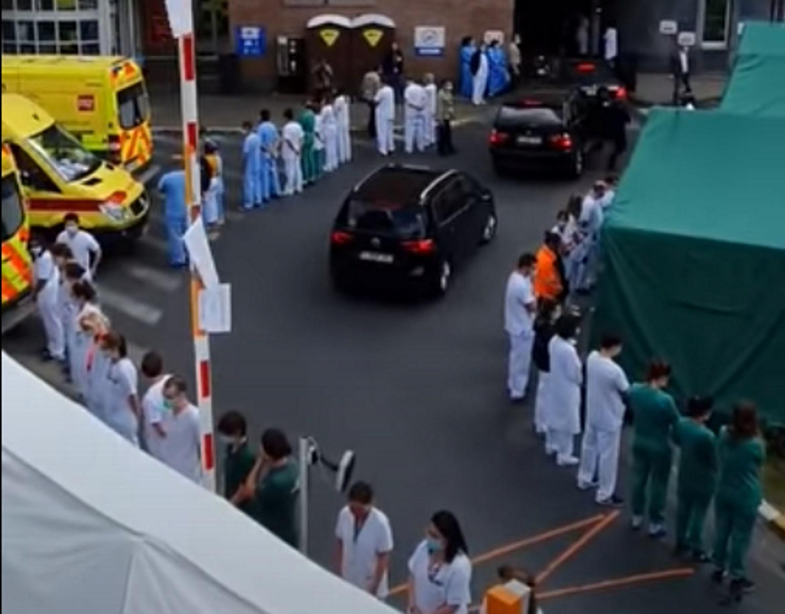 Οργή στο Βέλγιο για την πρωθυπουργό – Υποδοχή με γυρισμένες πλάτες σε νοσοκομείο
