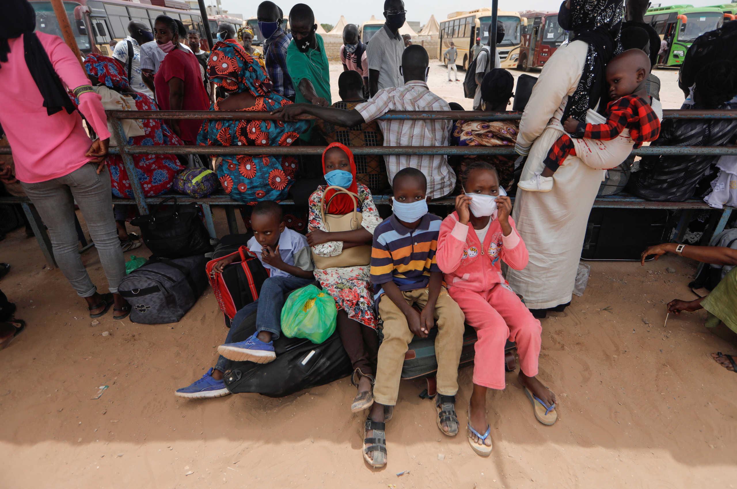 Άλλα 86 εκατ. παιδιά απειλούνται από τη φτώχεια λόγω κορονοϊού