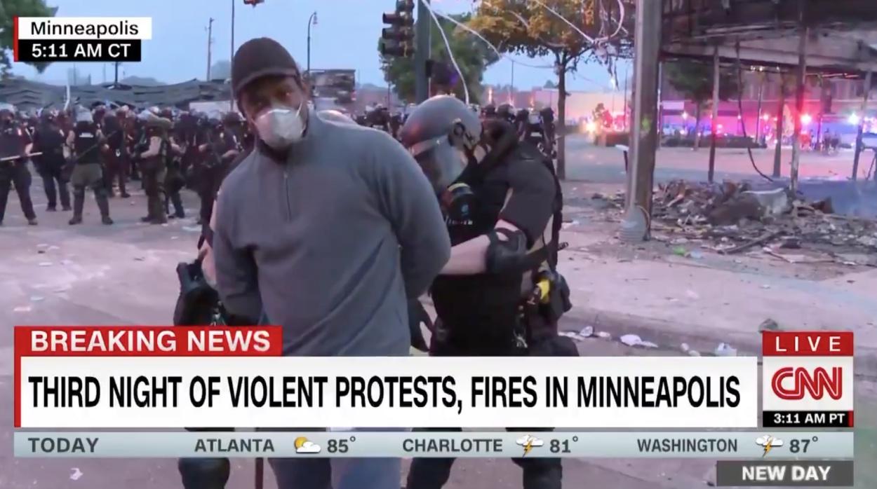 Απίθανα πράγματα στην Μινεάπολη! Συνέλαβαν δημοσιογράφο του CNN την ώρα που ήταν στον αέρα!