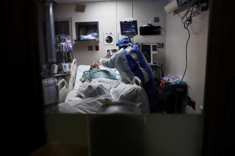 Ανεξέλεγκτος ο κορονοϊός στις ΗΠΑ – Ρεκόρ με 2.900 θανάτους και 210.000 κρούσματα σε 24 ώρες