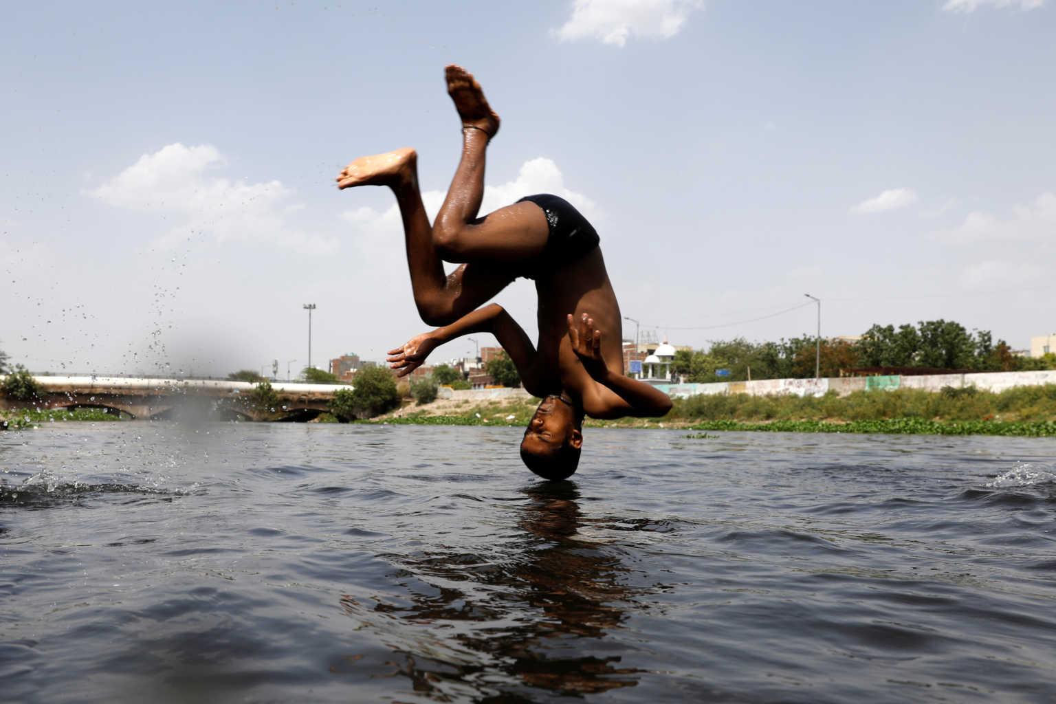 Έπιασε τους 47,6 βαθμούς η θερμοκρασία στο Ν. Δελχί