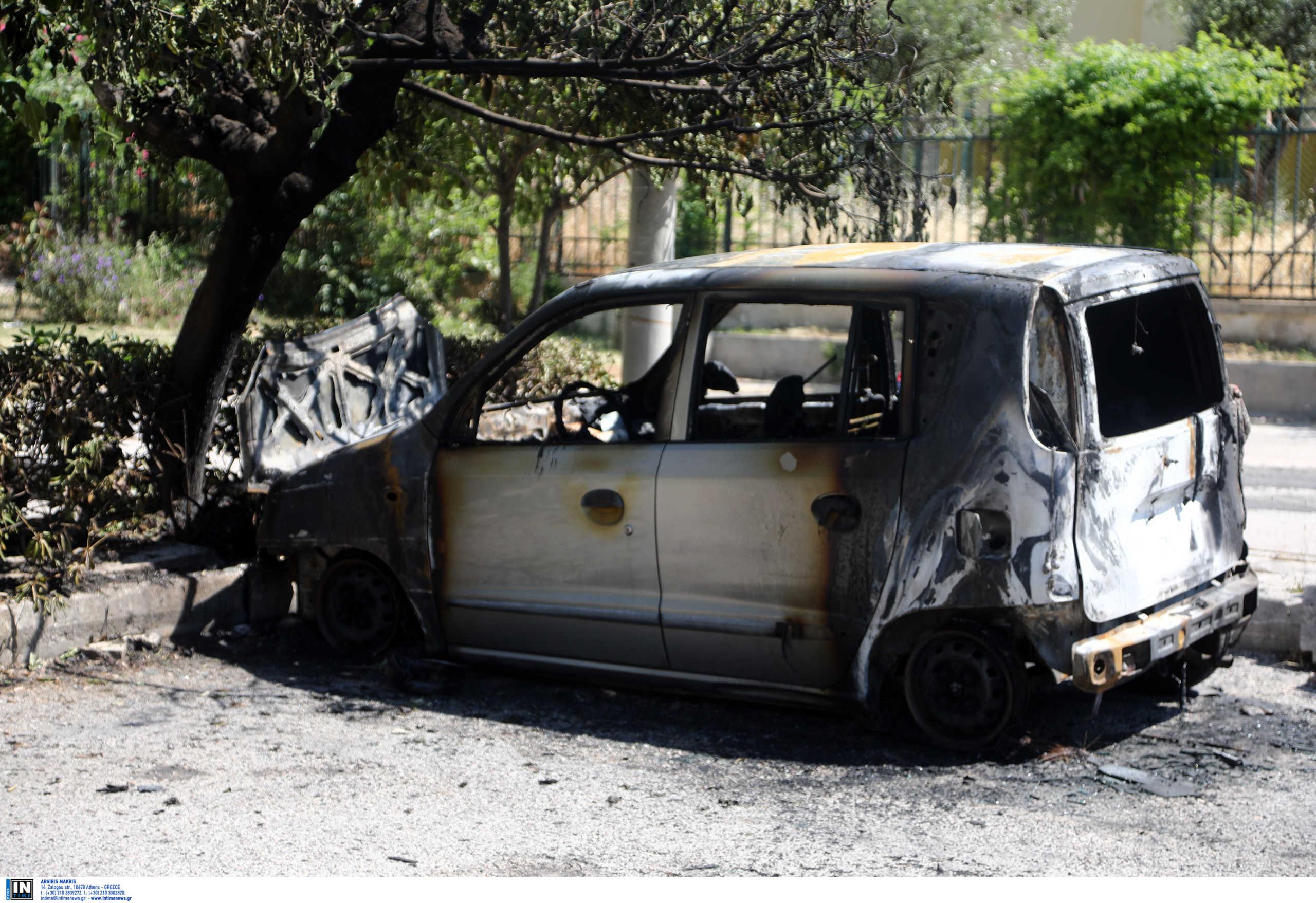 Ευελπίδων: Καταστράφηκαν ολοσχερώς τα αυτοκίνητα που δέχτηκαν επίθεση – Ανακοίνωση της Ένωσης Εισαγγελέων (pics)