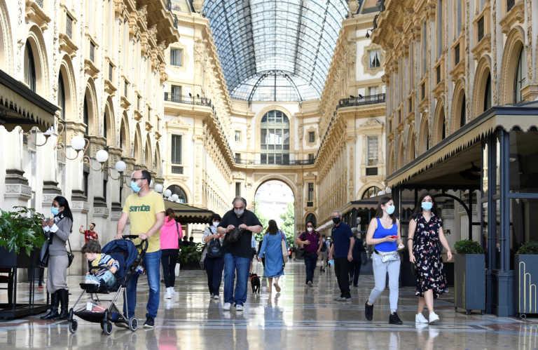 Κορονοϊός: Ξανά… ζωή στην Ιταλία – Ψώνια, καπουτσίνο και βόλτες με γόνδολα