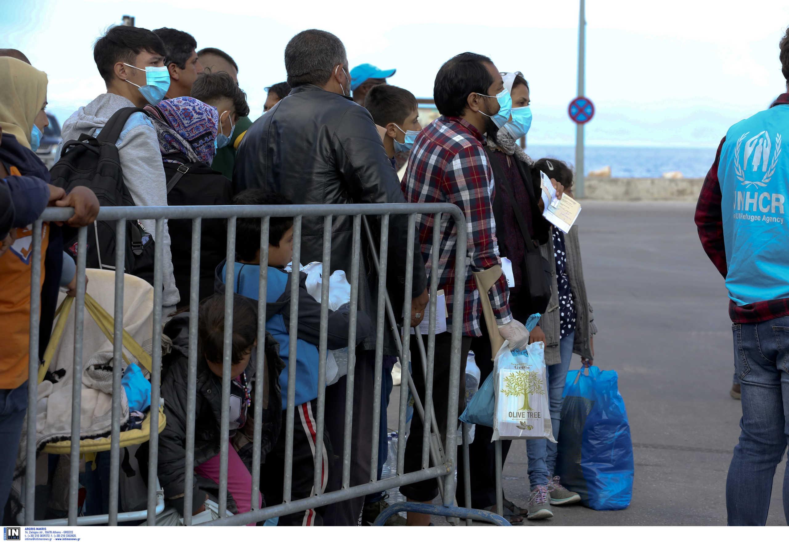 Κυβερνητικές πηγές για μεταναστευτικό: Μειώνονται οι ροές, αποσυμφορίζονται τα νησιά