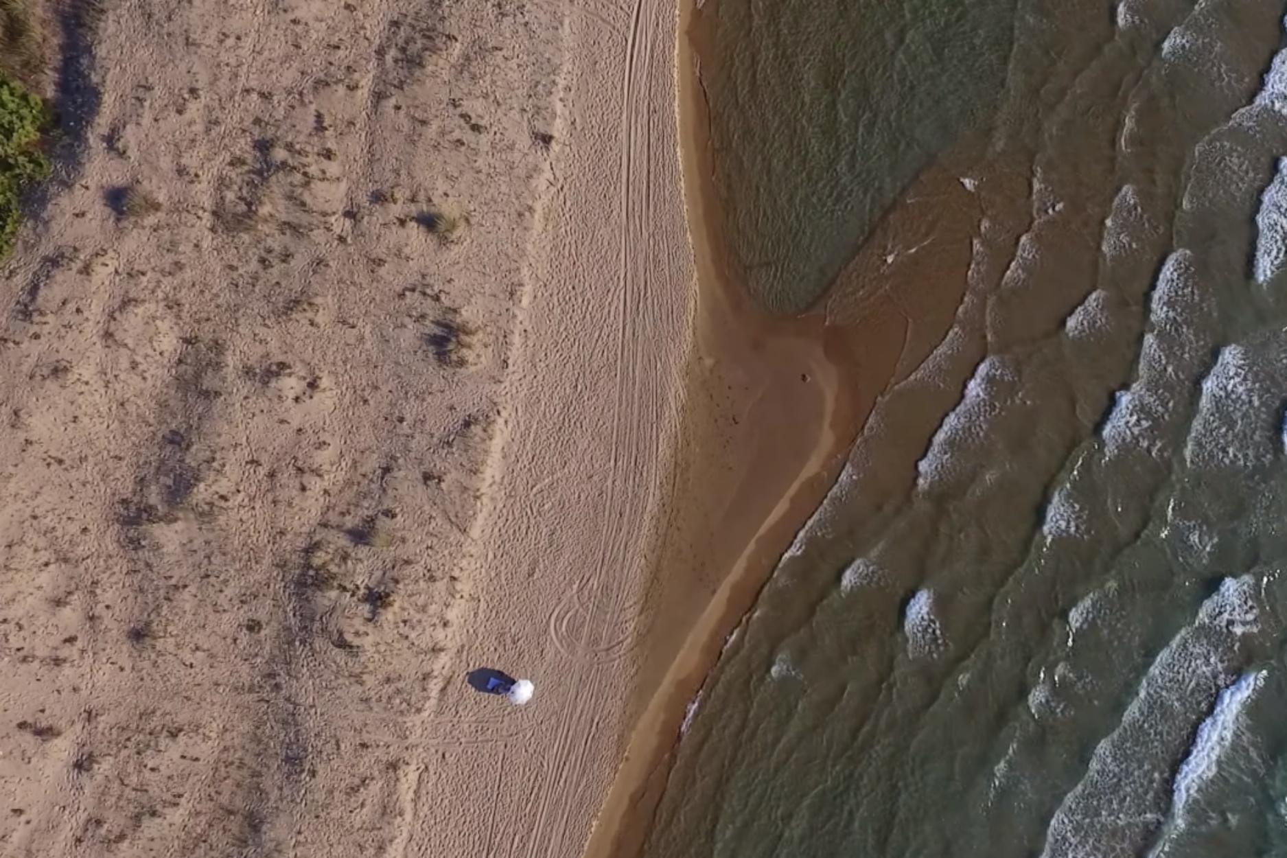 Η απέραντη παραλία με αμμόλοφους στην Πελοπόννησο που ίσως δεν έχετε ακούσει ποτέ