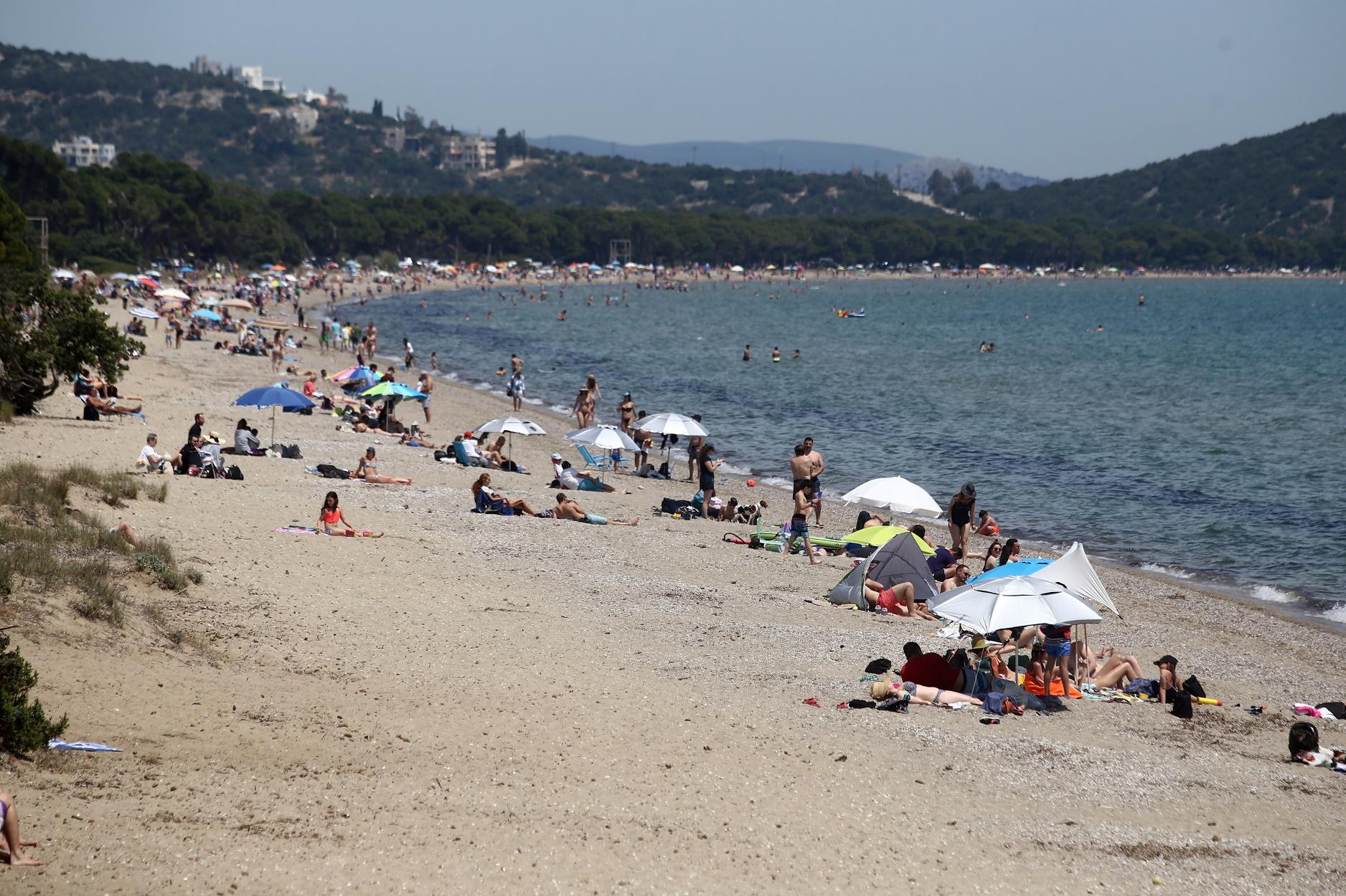 Αυτές είναι οι 19 παραλίες στην Αττική με γαλάζια σημαία