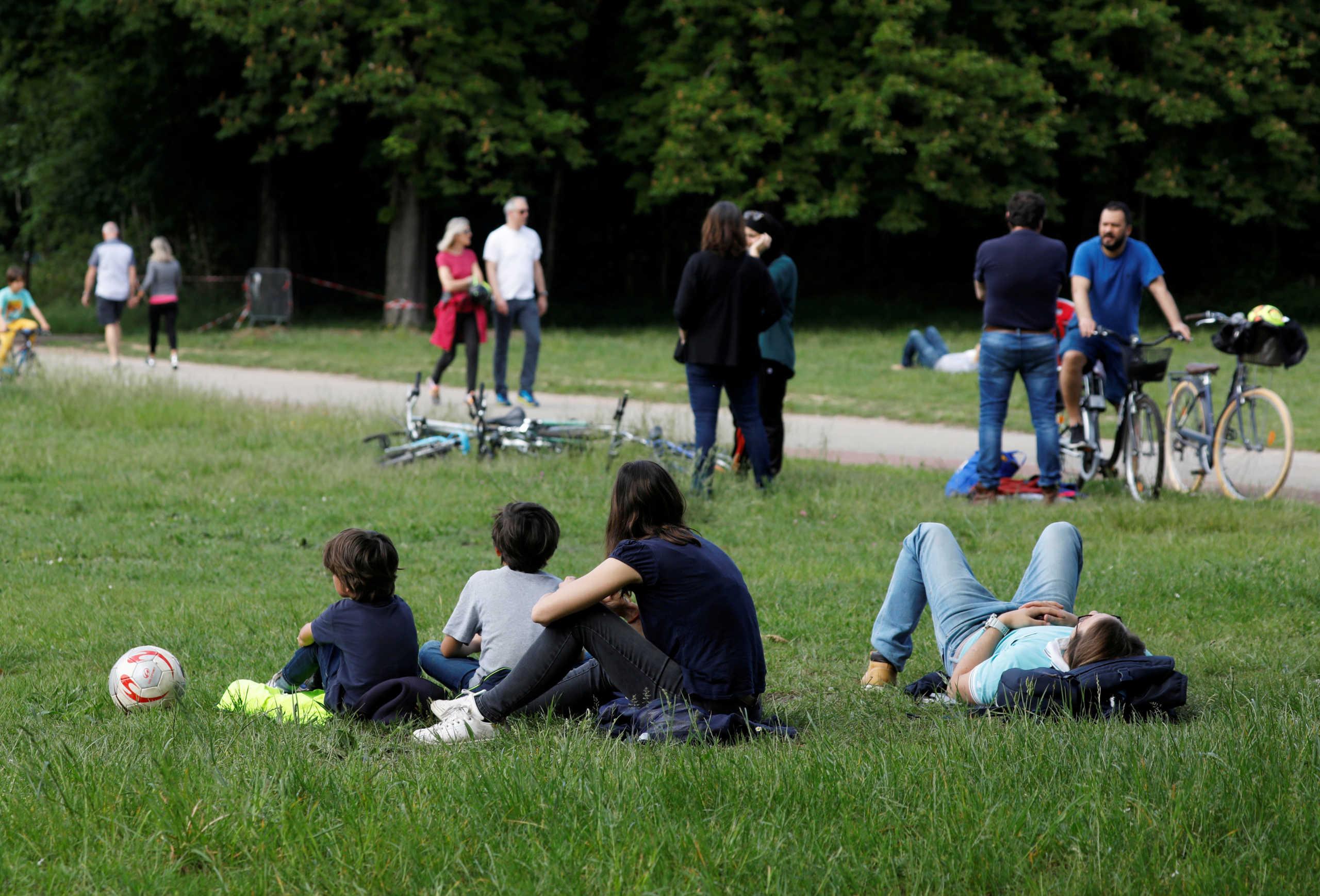 Γαλλία: «Όχι» στο αίτημα της δημάρχου Παρισιού να ανοίξουν τα πάρκα