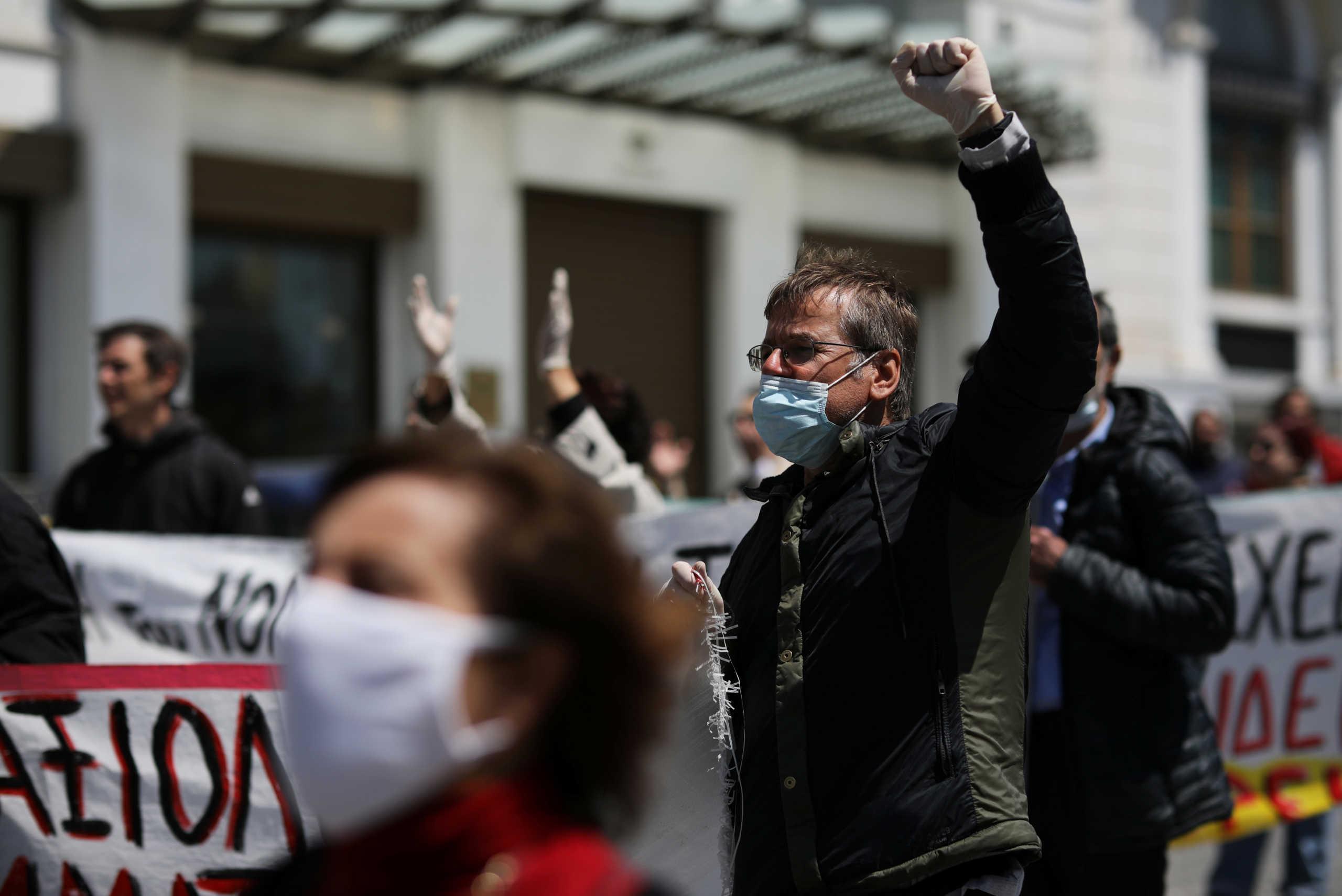 Αλλόκοτη Πρωτομαγιά: Απεργία στον ΗΣΑΠ και στα τρένα – Συγκεντρώσεις με… αποστάσεις