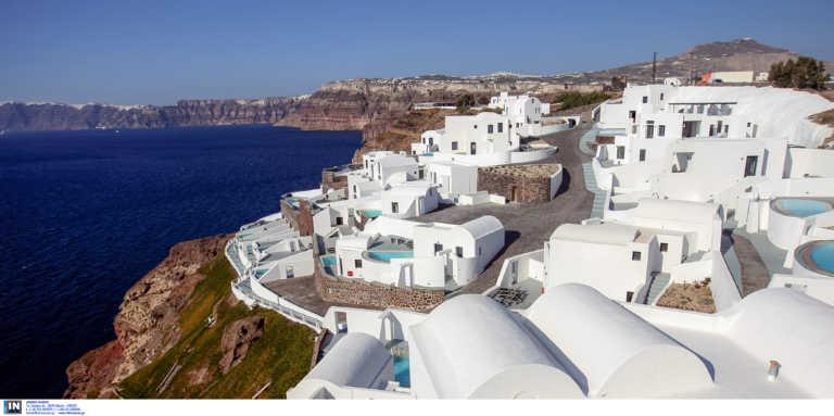 «Santorini s' agapo»! Ερωτική εξομολόγηση 292 σελίδων για το εμβληματικό νησί