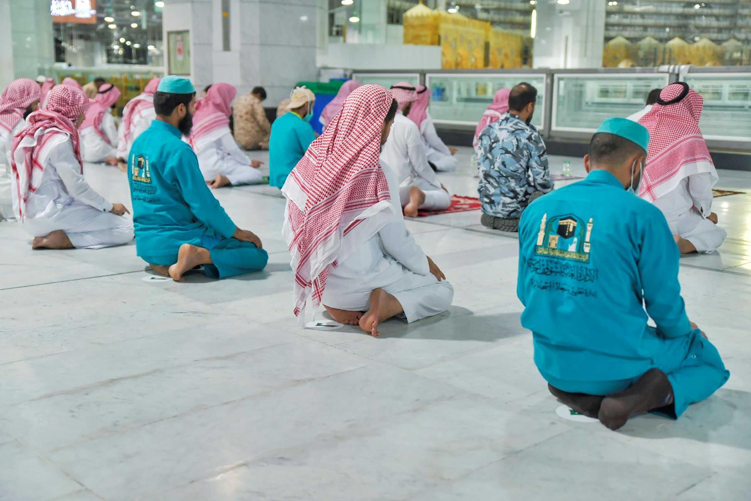 Άνοιξαν και πάλι τα τζαμιά στη Σαουδική Αραβία