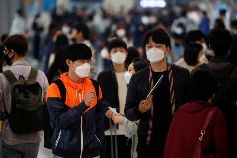 Στο 3ο κύμα της πανδημίας η Νότια Κορέα – Διπλασιάστηκαν τα κρούσματα σε δύο 24ωρα