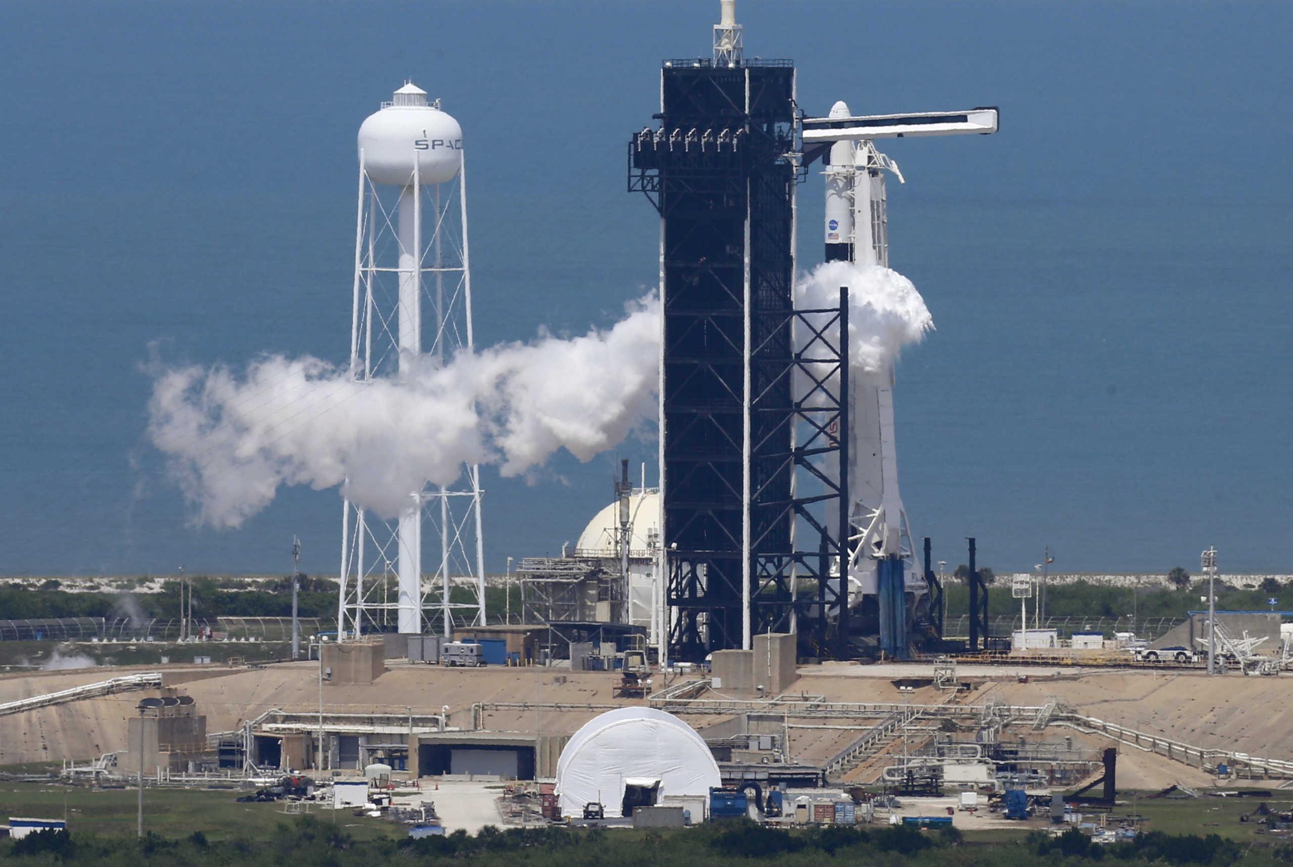 LIVE: Ιστορικές στιγμές – Εκτοξεύθηκε το SpaceX