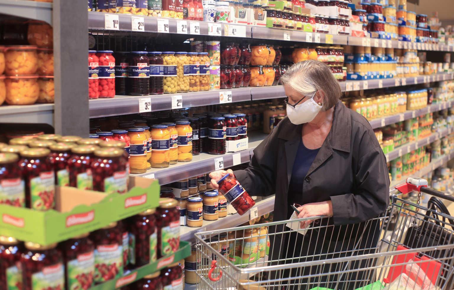 «Βόμβες» κορωνοϊού τα σούπερ μάρκετ; Τι δείχνει βρετανική έρευνα