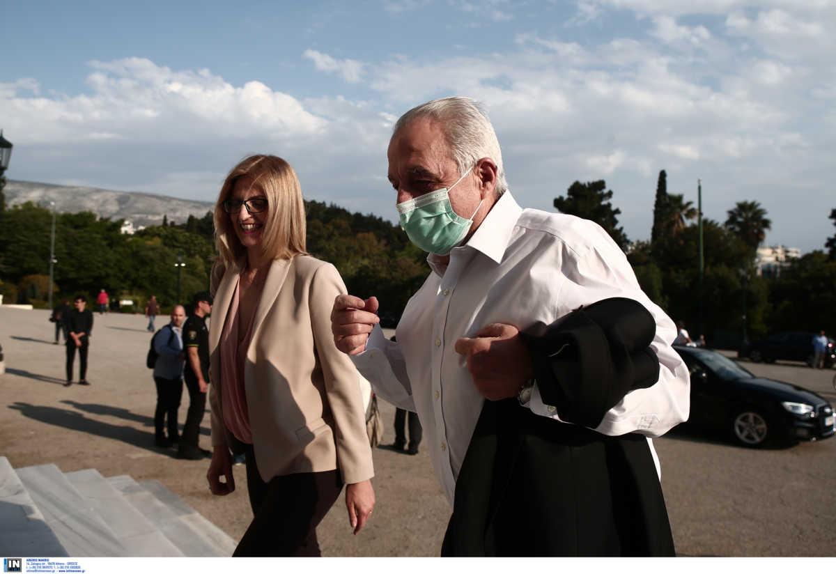 ΣΥΡΙΖΑ: «Έλαμψαν» Νοτοπούλου και Αχτσιόγλου στην παρουσίαση του «Μένουμε Όρθιοι»