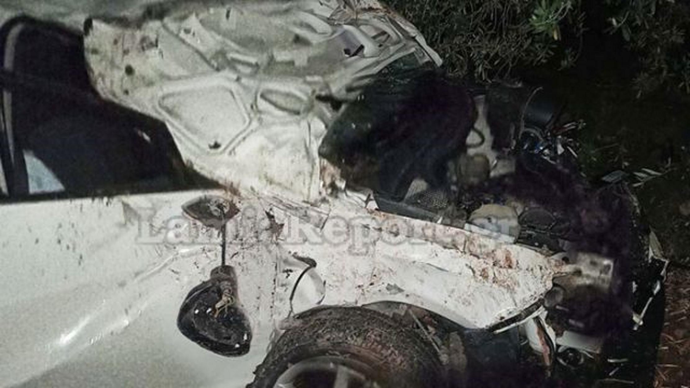 """Στυλίδα: Νεαροί έφεραν τούμπες με το αυτοκίνητο – Τους """"έσωσε"""" η ελιά! (pics)"""