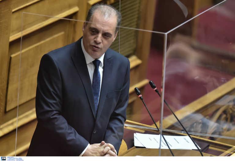 Σάλος με tweet Βελόπουλου για τον κορονοϊό με… φωτογραφίες από το '17 και το '18! Η εξήγηση που έδωσε στο newsit.gr