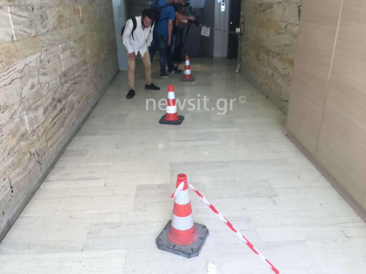 Επίθεση με βιτριόλι: «Το παιδί μου πήγαινε στην δουλειά του και βρέθηκε στην εντατική», λέει στο newsit.gr ο πατέρας της