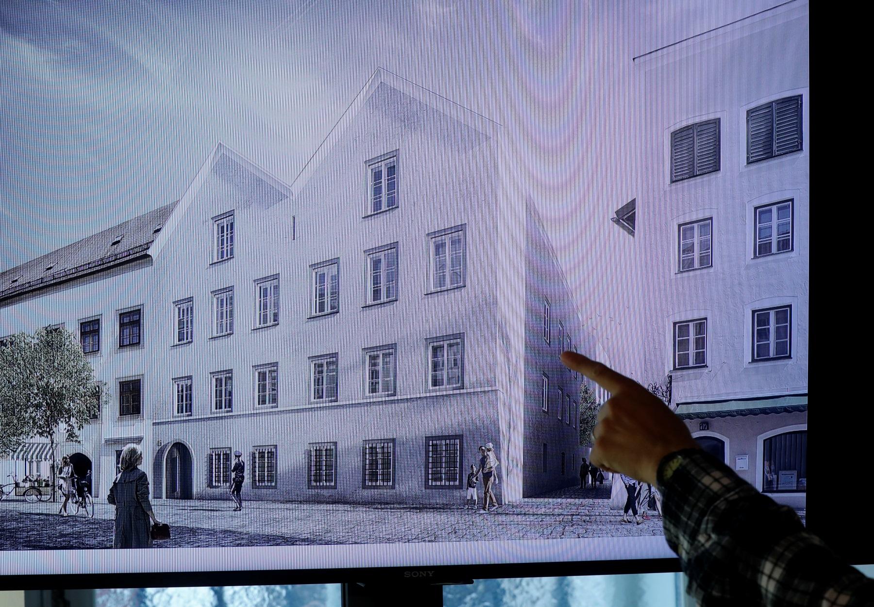 """Χίτλερ: Σάλος για τα σχέδια ανακαίνισης του σπιτιού που γεννήθηκε – """"Ξηλώνουν"""" αντιναζιστική επιγραφή (pics)"""