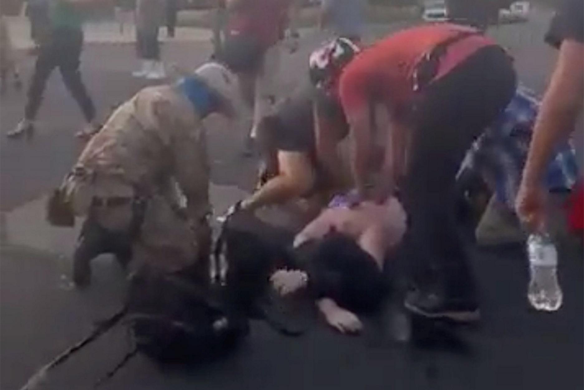 Νέο Μεξικό – ΗΠΑ: Ακροδεξιοί πυροβόλησαν αντιρατσιστή διαδηλωτή (pics, video)