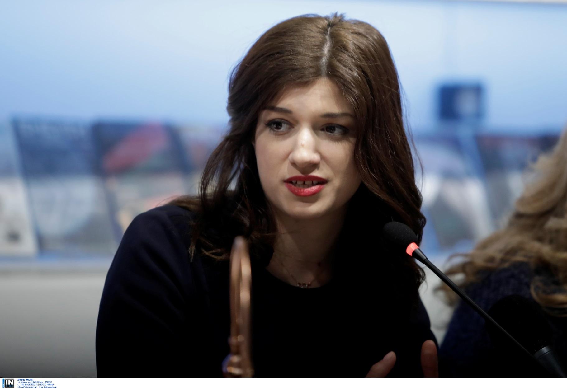 Θεσσαλονίκη: Το lockdown, το κουλούρι και το λάθος της Κατερίνας Νοτοπούλου που έβαλε φωτιά στο twitter (pics)