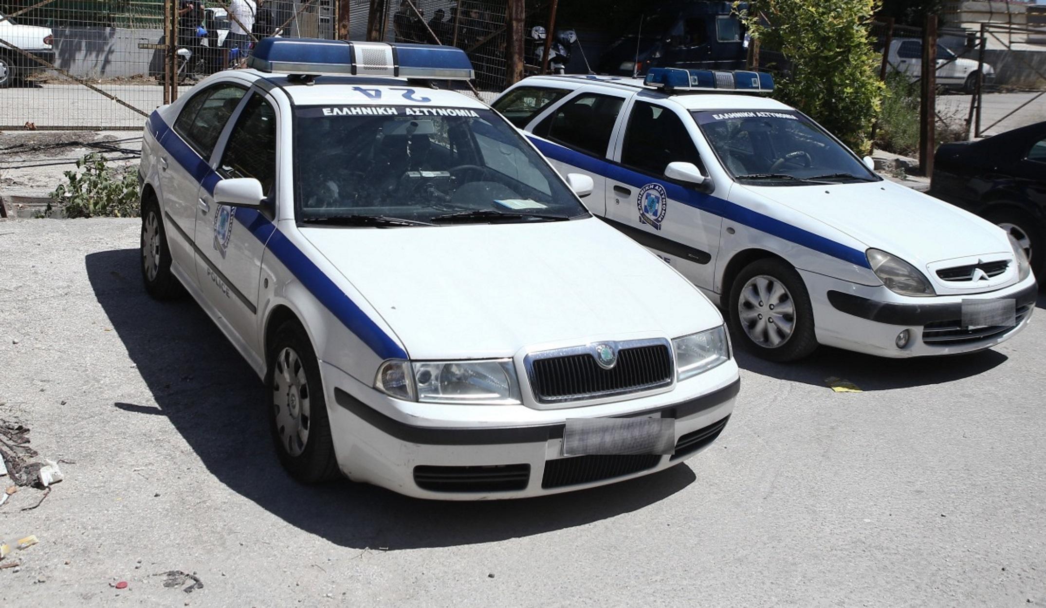 Άρτα: Θαμώνες καφενείου έδειραν και έστειλαν στο νοσοκομείο τρεις αστυνομικούς