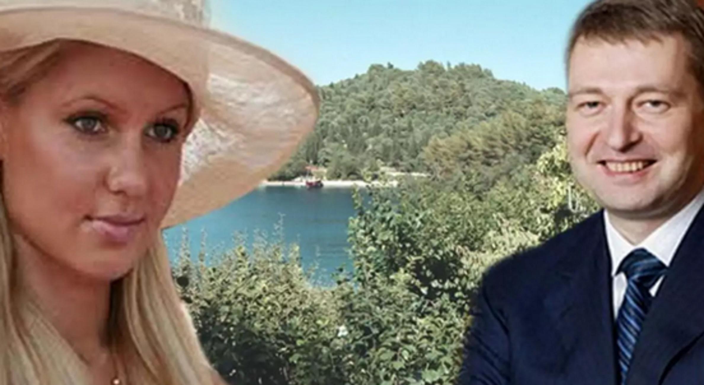 Σκορπιός: Από σερβιτόρος στο πριβέ πάρτι του Ριμπολόβλεφ! Έλληνας τραγουδιστής μιλά και αποκαλύπτει