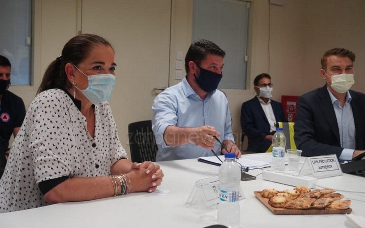 Μάσκες και… καλιτσούνια – Σύσκεψη στα Χανιά με Χαρδαλιά και Ντόρα Μπακογιάννη