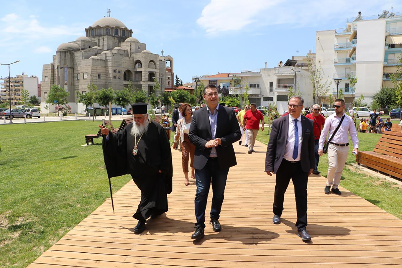 Θεσσαλονίκη: Αυτός είναι ο πυρήνας πρασίνου στα δυτικά της πόλης! Εγκαίνια από τον Απόστολο Τζιτζικώστα (Φωτό)