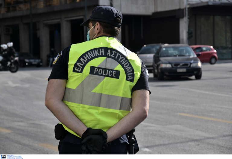 """Κρήτη: Aστυνομικός """"έκοψε"""" πρόστιμο στον Άι Βασίλη (pics)"""