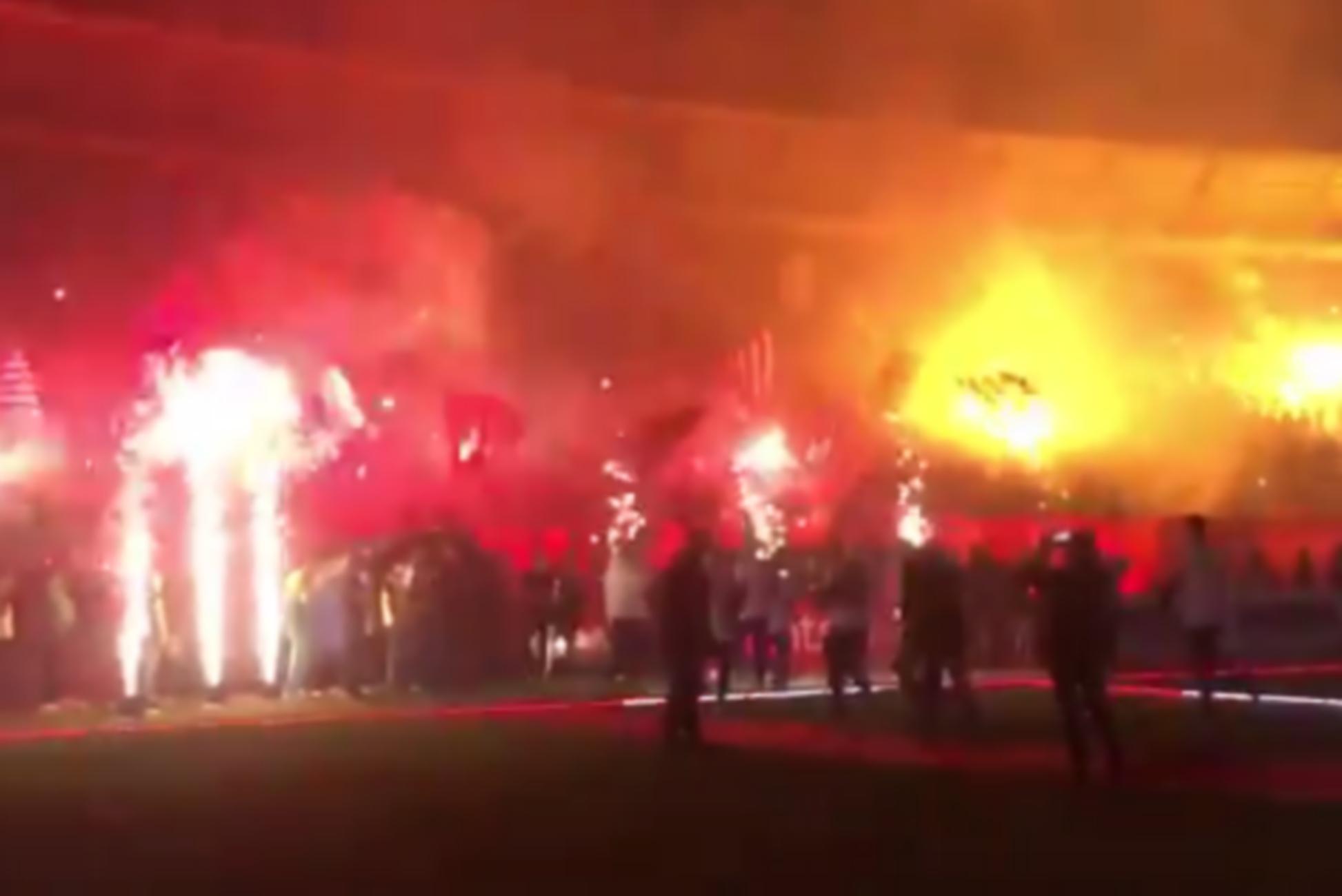 Κανένας κορονοϊός στη Σερβία: Πάνω από 20.000 οπαδοί στο γήπεδο (video)