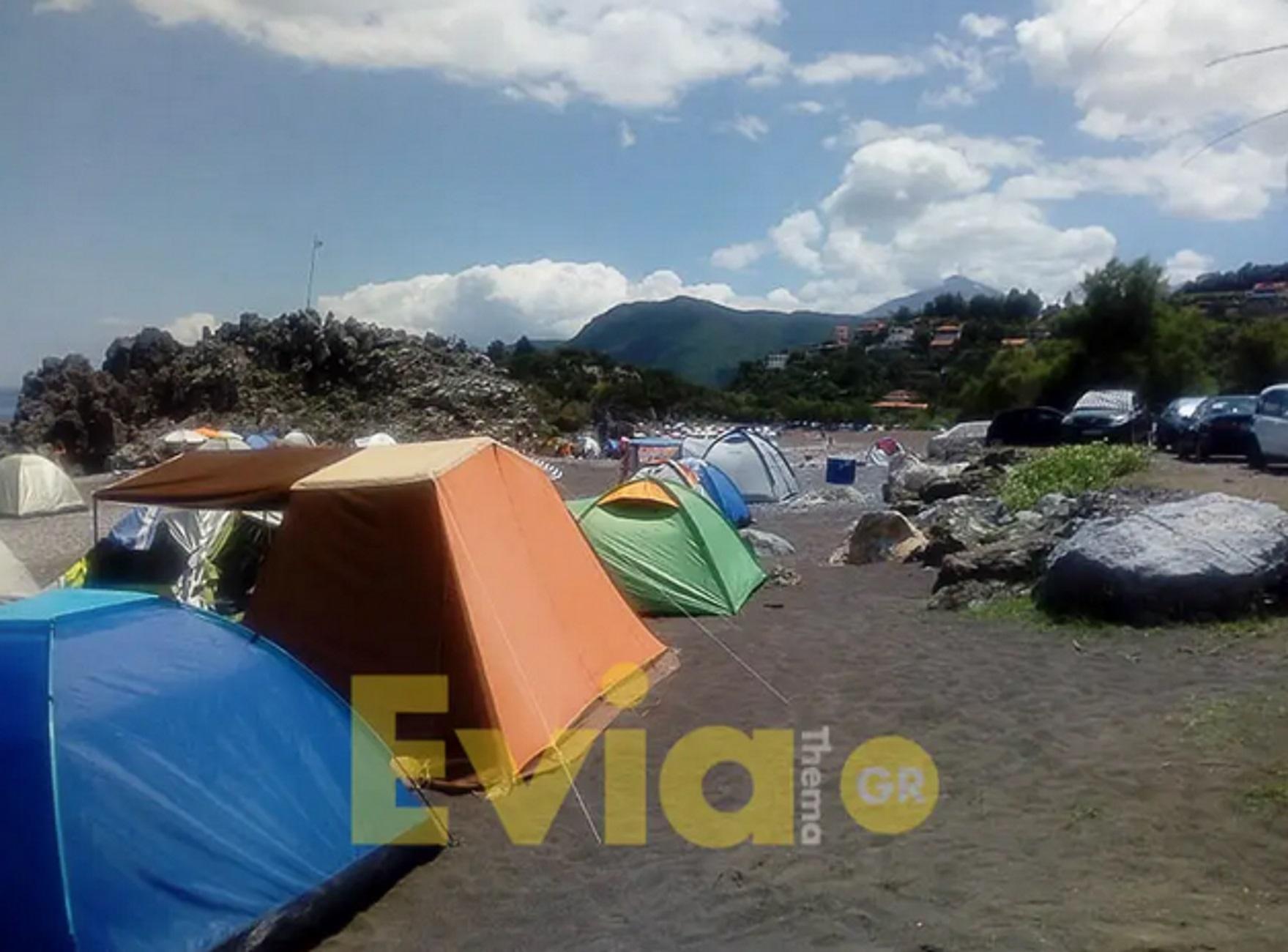 Εύβοια: Η παραλία που γέμισε σκηνές και έπηξε στον κόσμο! Το αδιαχώρητο από νωρίς το πρωί (Φωτό)