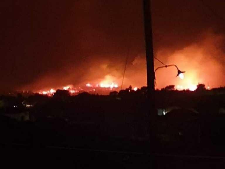 Δύσκολη νύχτα για τη Ζάκυνθο: Ξέσπασε μεγάλη φωτιά