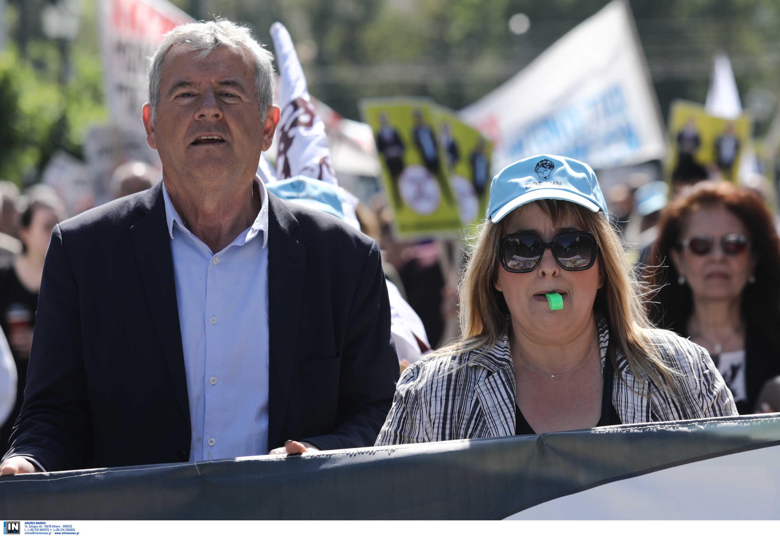 """Θεσσαλονίκη: Πορεία εργαζομένων στο Ιπποκράτειο για την ανανέωση συμβάσεων! """"Δεν υπάρχουν άλλα περιθώρια"""""""