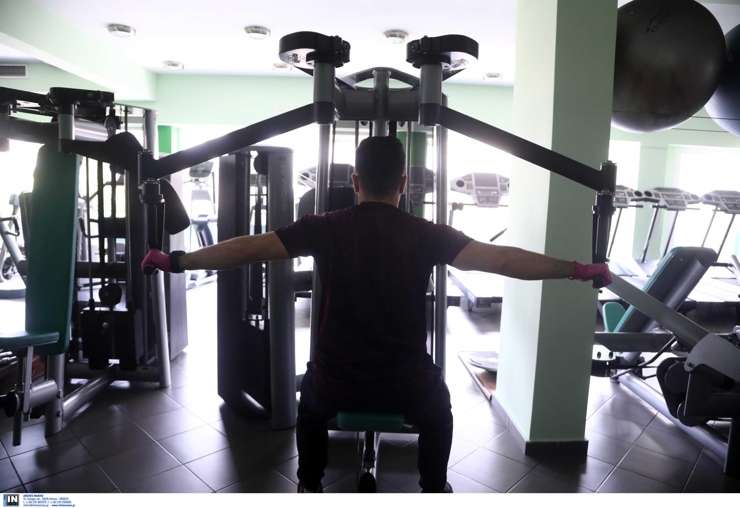 Αίγιο: Έφοδος σε γυμναστήριο που λειτουργούσε – Έγιναν «λούηδες» οι πελάτες