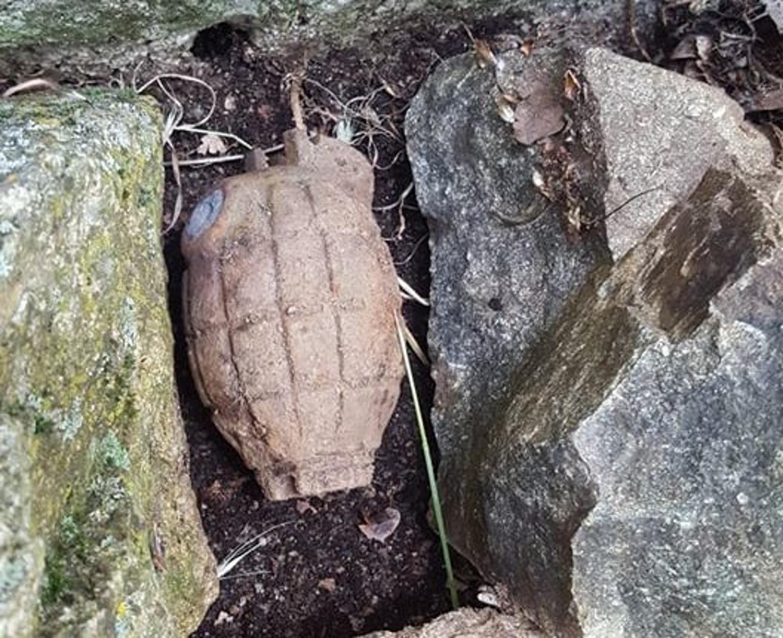 Βρέθηκαν βλήμα όλμου και χειροβομβίδα στην Καλαμπάκα (pics)