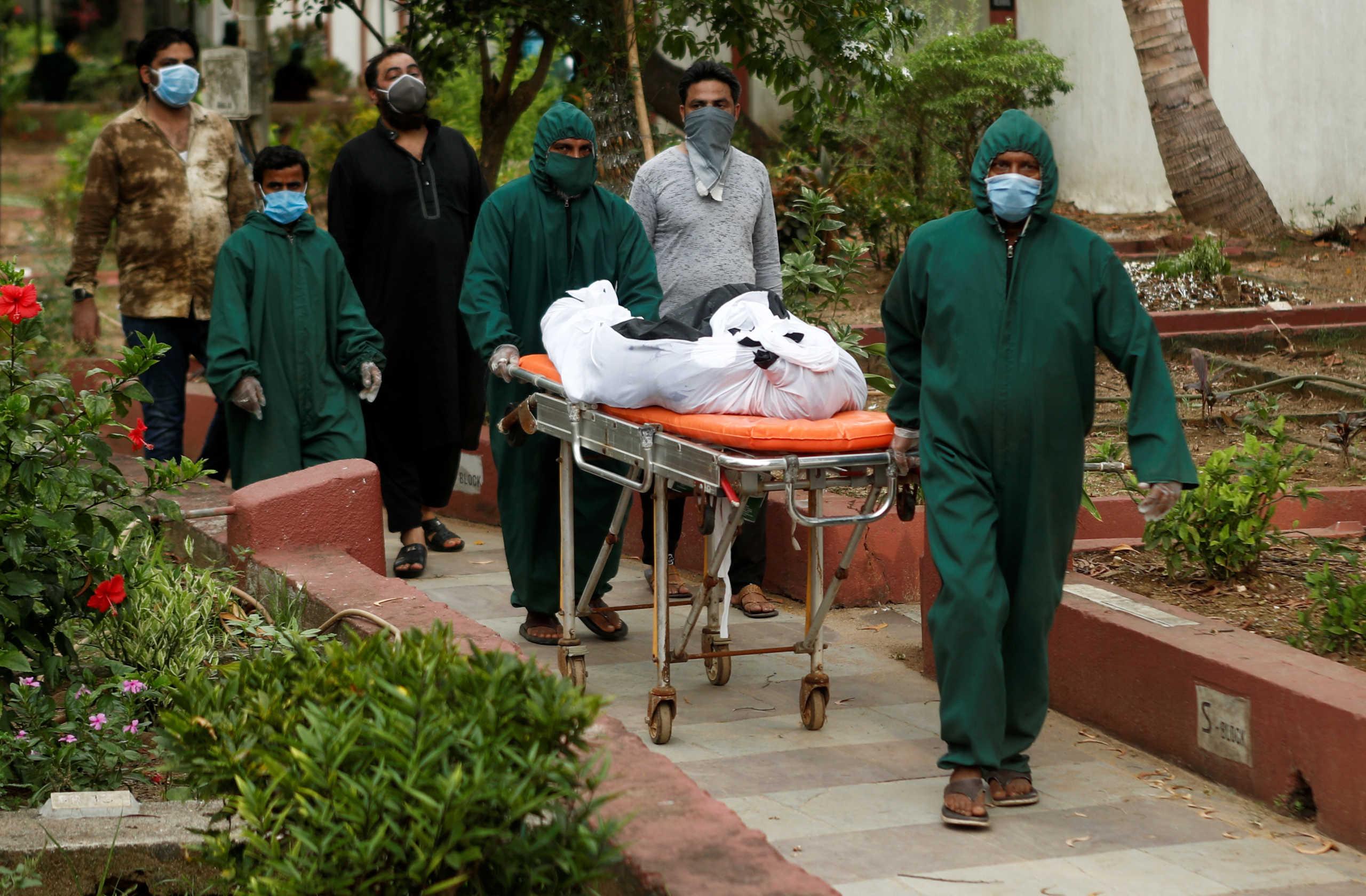 Ινδία: Πάνω από 127.000 νεκροί από κορονοϊό – Τα 8,6 εκατ. πλησιάζουν τα κρούσματα