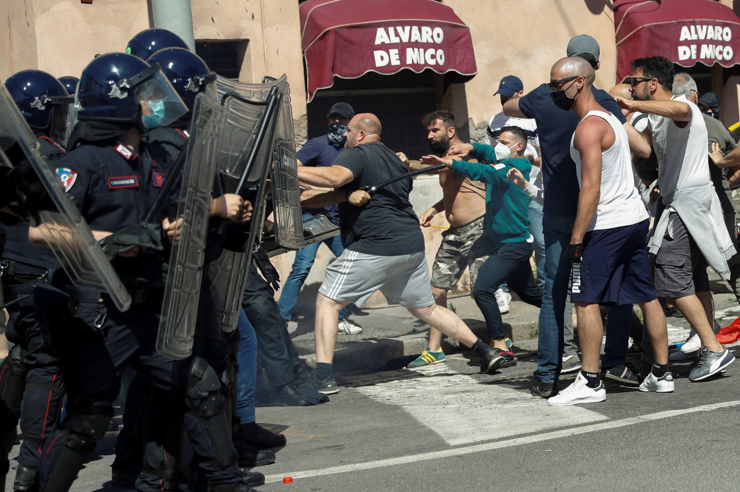 Ρώμη: Επίθεση νεοναζί σε δημοσιογράφους και αστυνομικούς! 8 τραυματίες (pics)