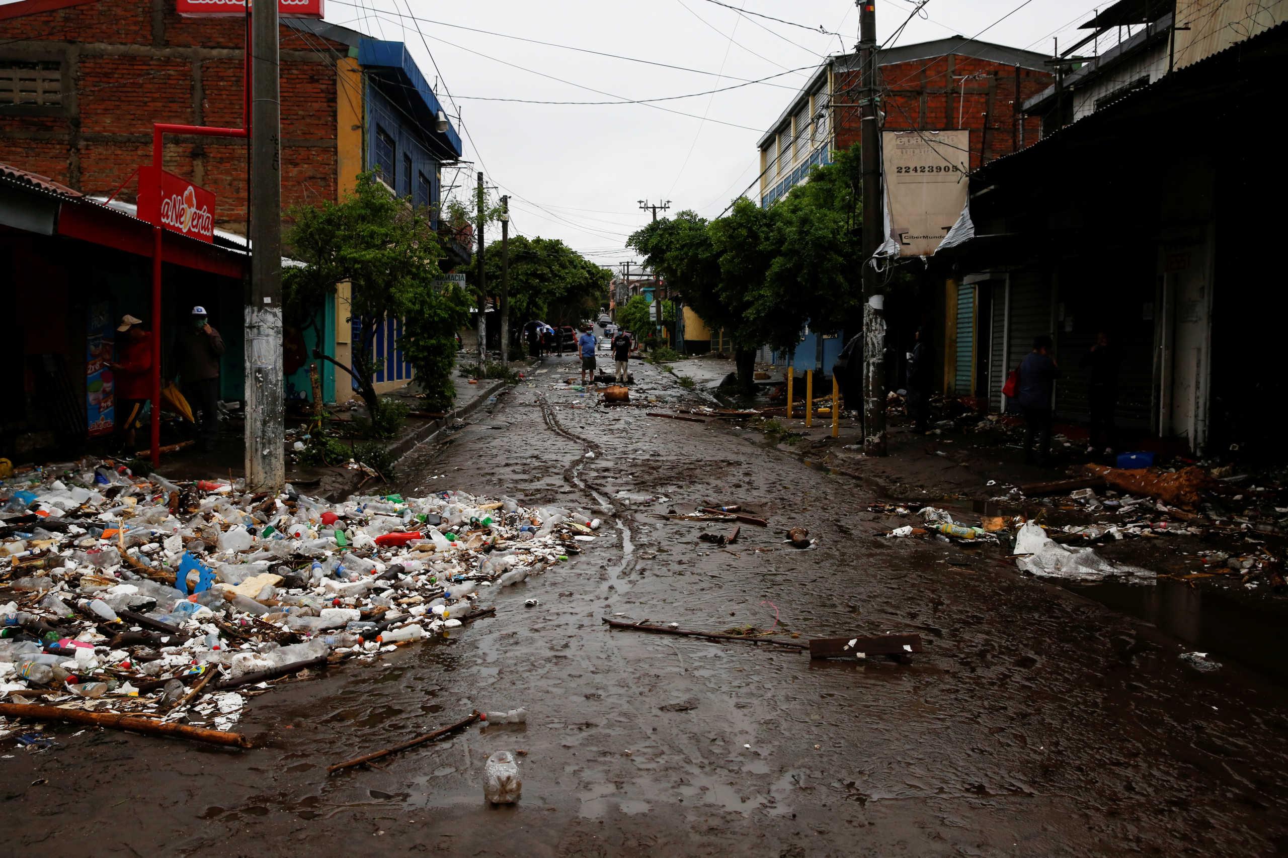 Κεντρική Αμερική: 33 νεκροί από τις καταιγίδες Αμάντα και Κριστόμπαλ (video)